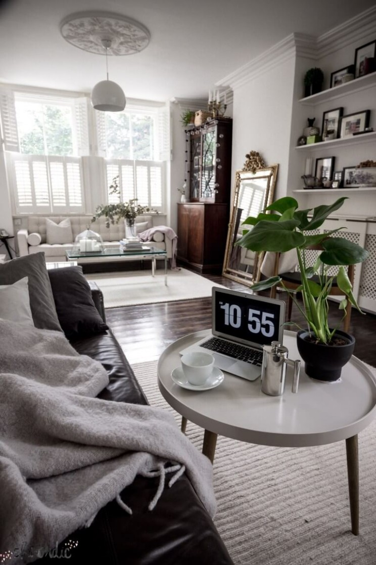 10 Best Small Apartment Living Room Decor and Design Ideas for 1010 - Apartment Living Room Decor Ideas