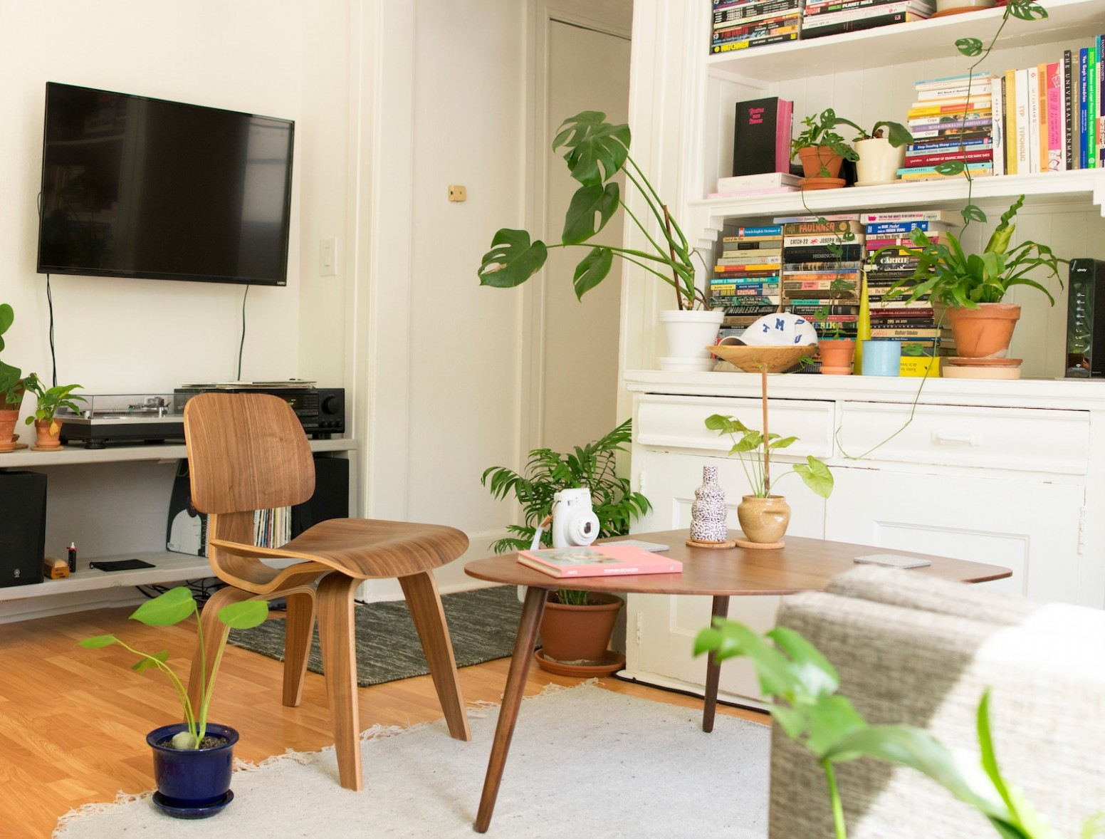 10 Brilliant NYC Apartment Decorating Tips And Ideas On A Budget - Apartment Design Nyc