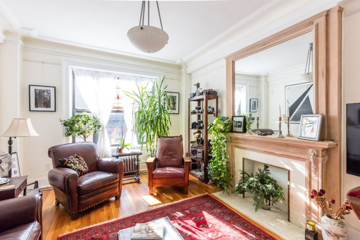 10 cozy NYC living spaces to inspire (and distract) you - Curbed NY - Apartment Design Nyc