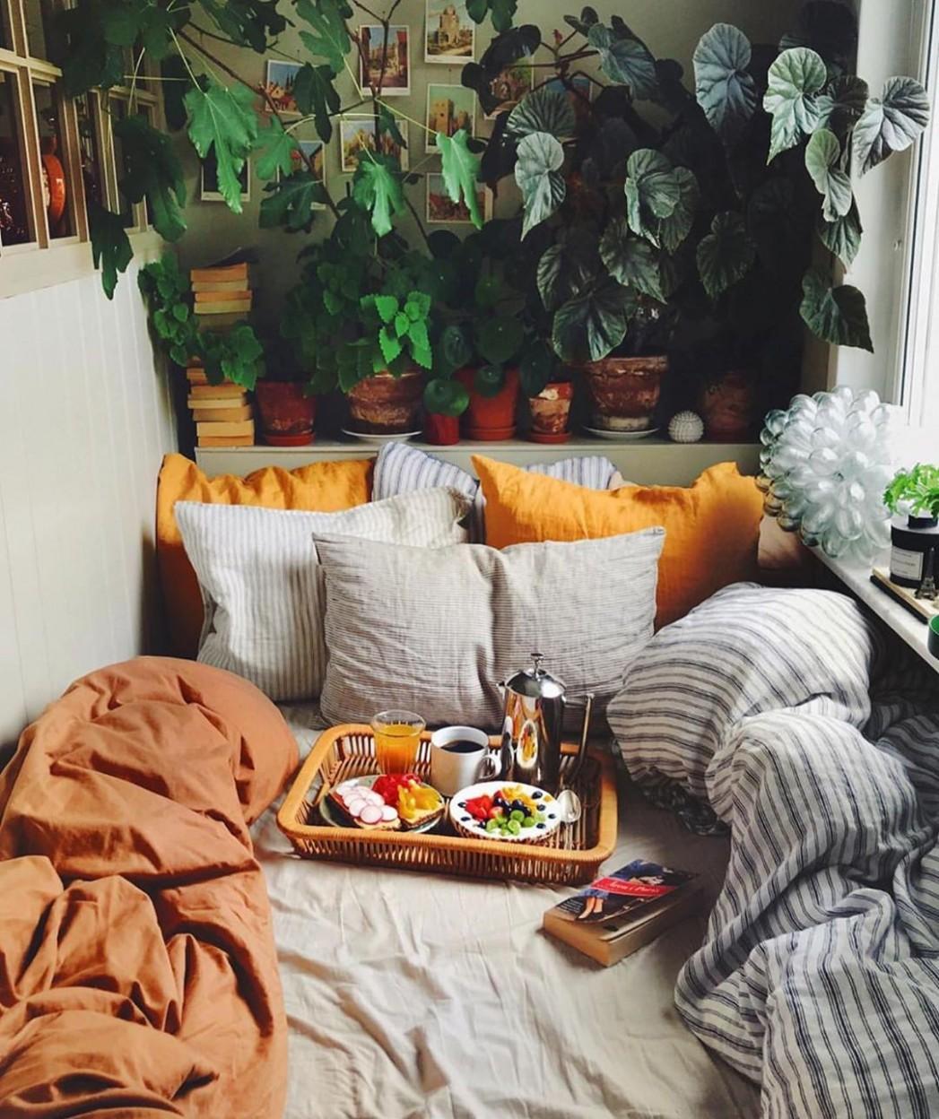 10 Romantic Bedroom Decor Ideas With Plant Theme - Bedroom Ideas With Plants