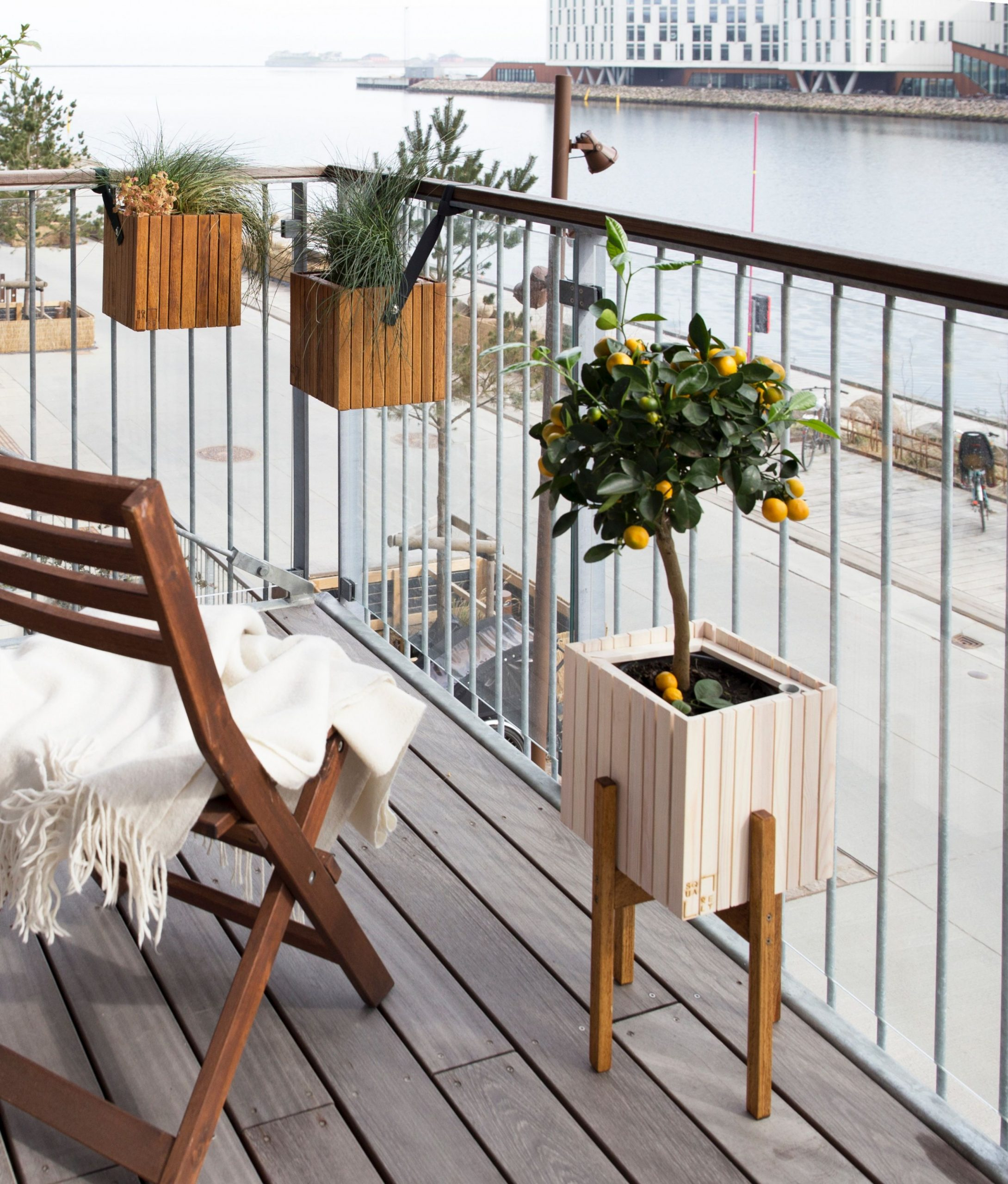 10 Ways to Maximize Your Small Balcony Space - Balcony Ideas Apartment