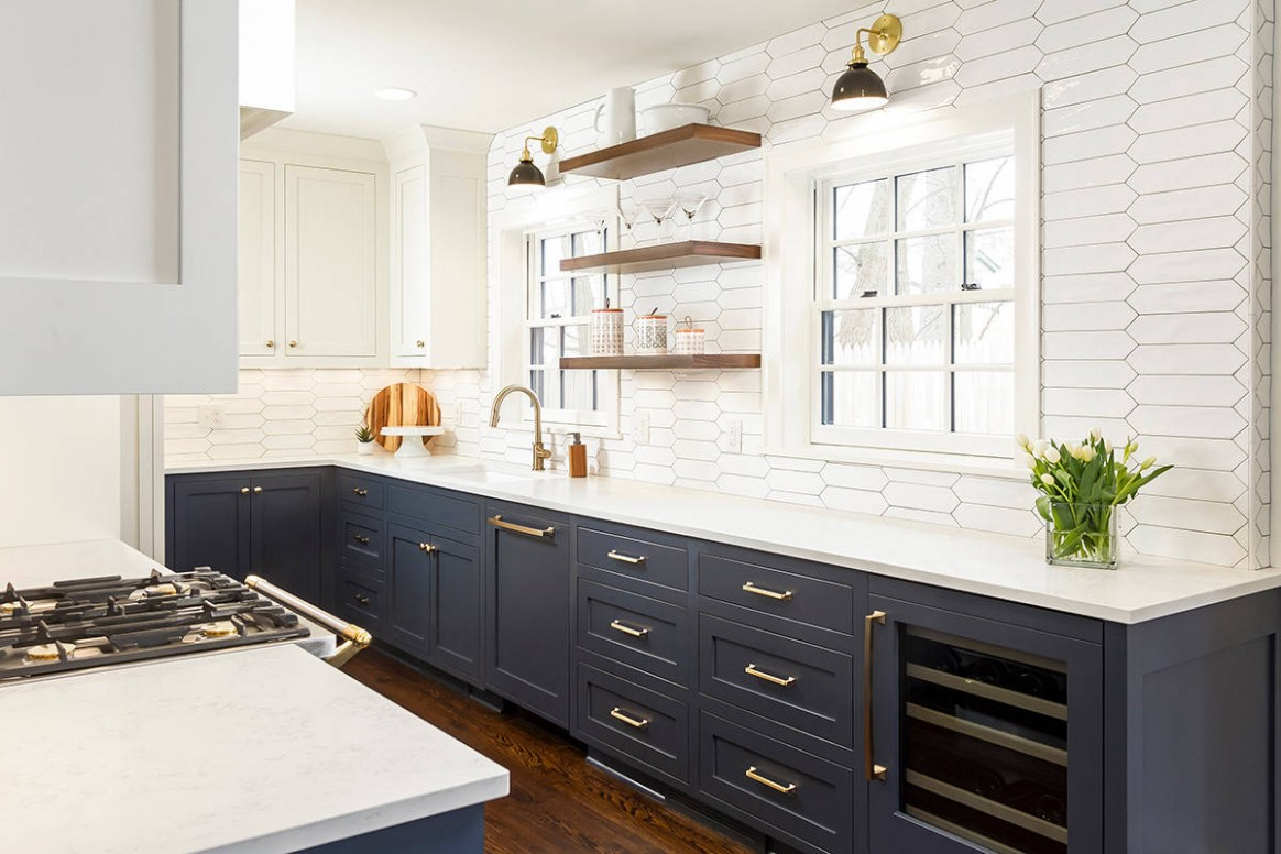 11 Beautiful Kitchen With Blue Cabinets And Quartz Countertops  - White Kitchen Cabinets And Quartz Countertops