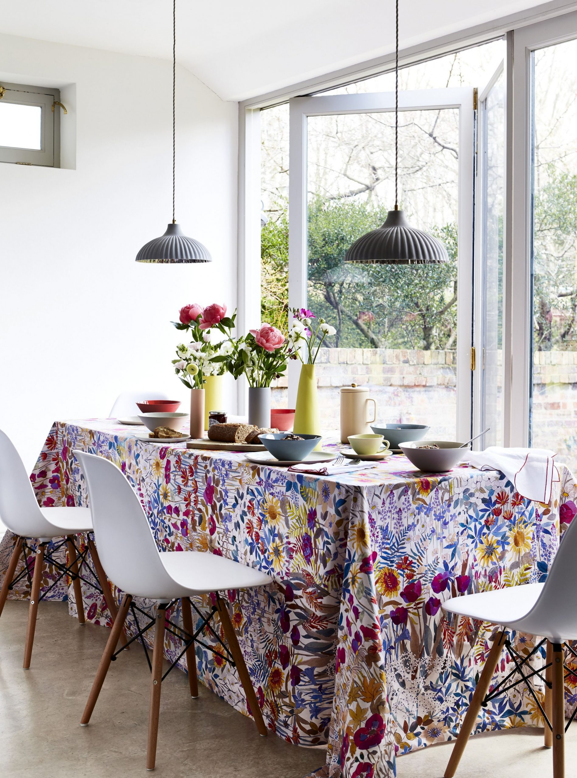 11 Best Dining Room Decorating Ideas - Pictures of Dining Room Decor - Dining Room Ideas Tablecloth