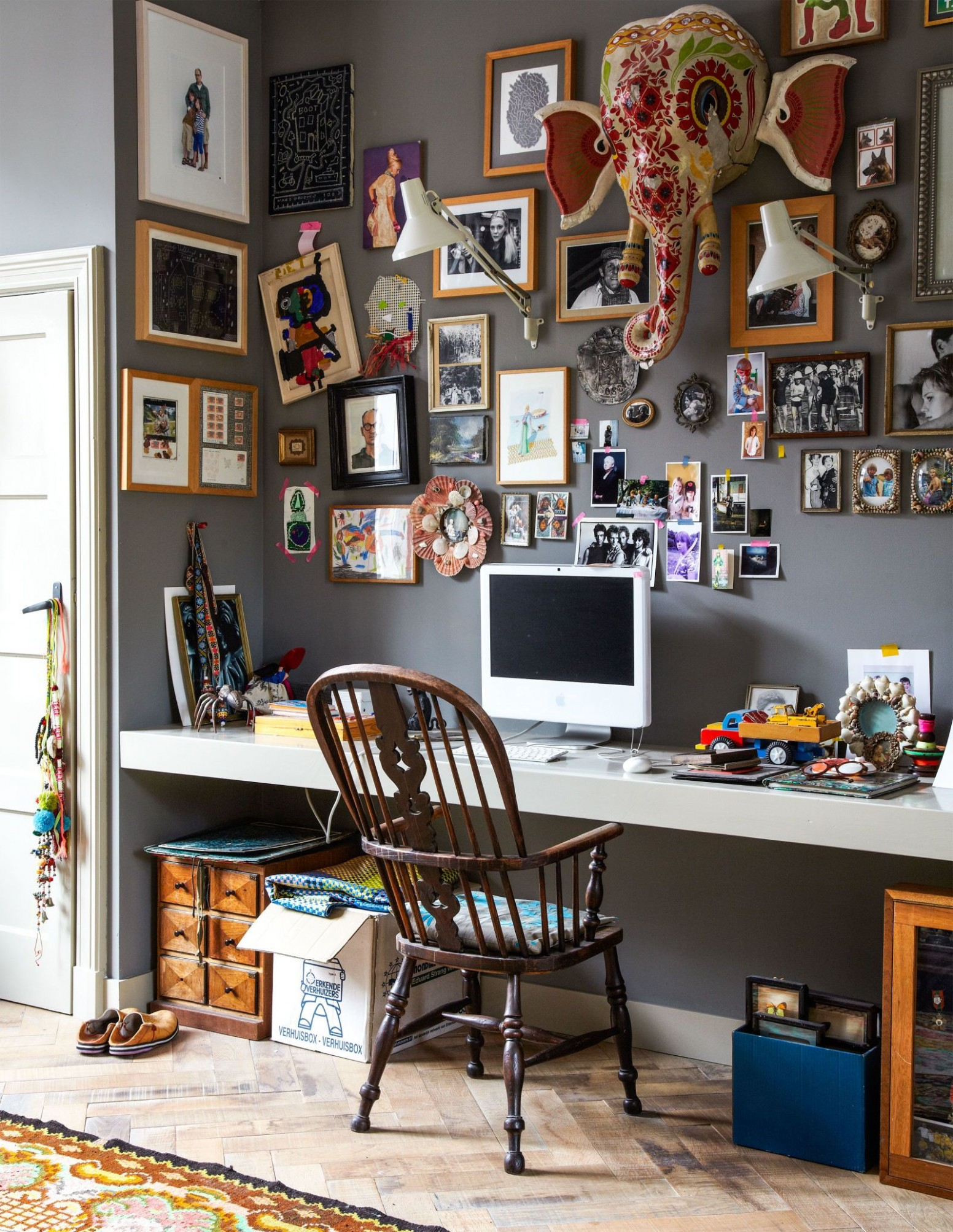 11 Creative Ways to Make Your Clutter Look *Good*  Quirky home  - Quirky Home Office Ideas