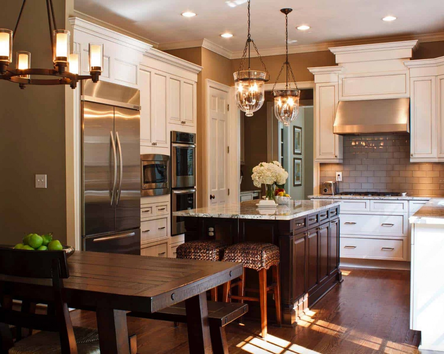 11 Stylish and elegant kitchens with light and dark contrasts - Titan Maple Glaze Kitchen Cabinets