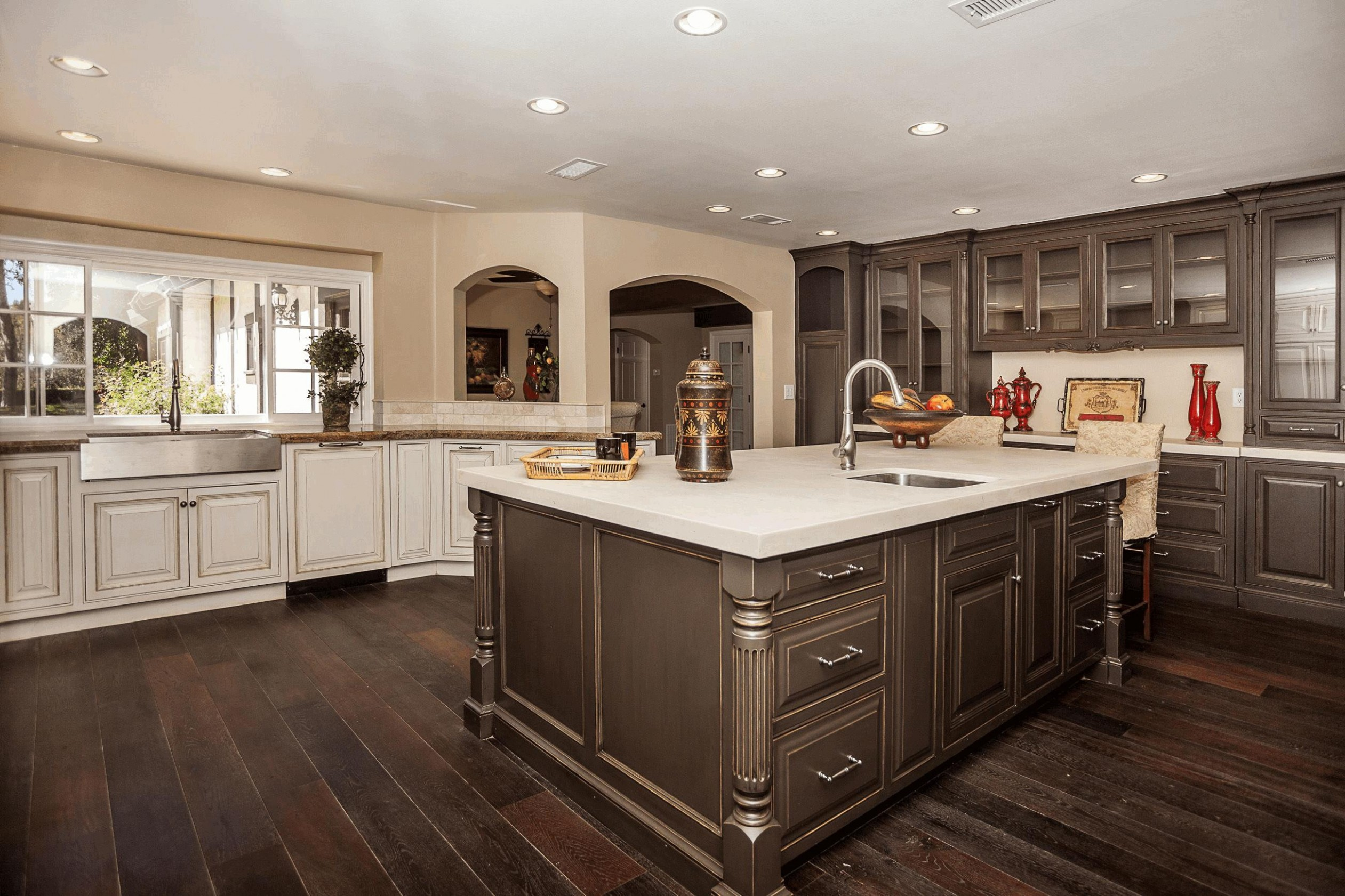11 Unique Antique White Cabinets with Dark Hardwood Floors  - Kitchen Cabinets With Dark Floors