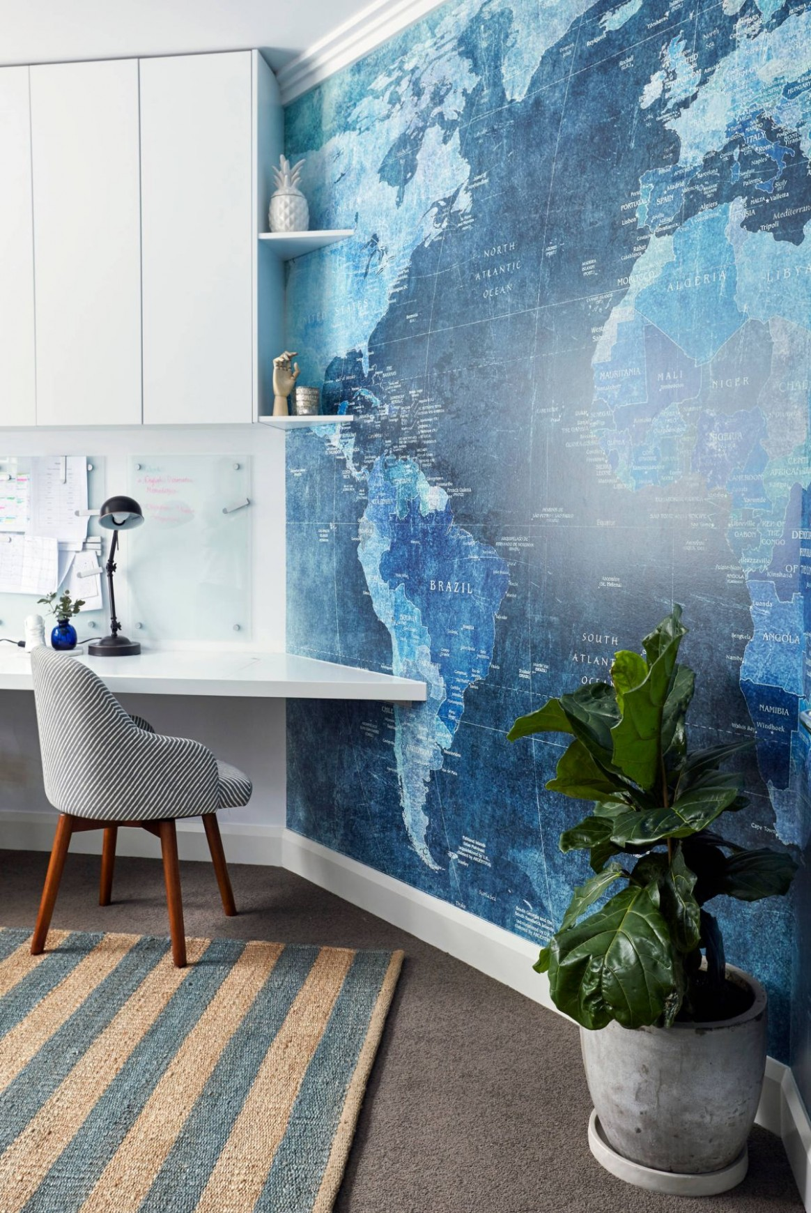 11 Wall Decor Ideas to Take to The Office - Wall Decor Ideas For Office