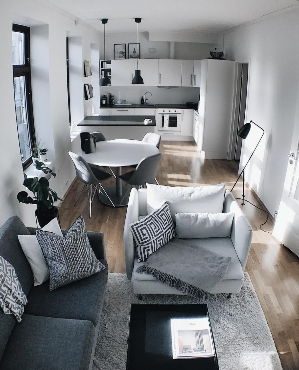 12 Apartment Decorating Ideas On a Budget For a Beautiful Space  - Apartment Decorating Ideas Ideas