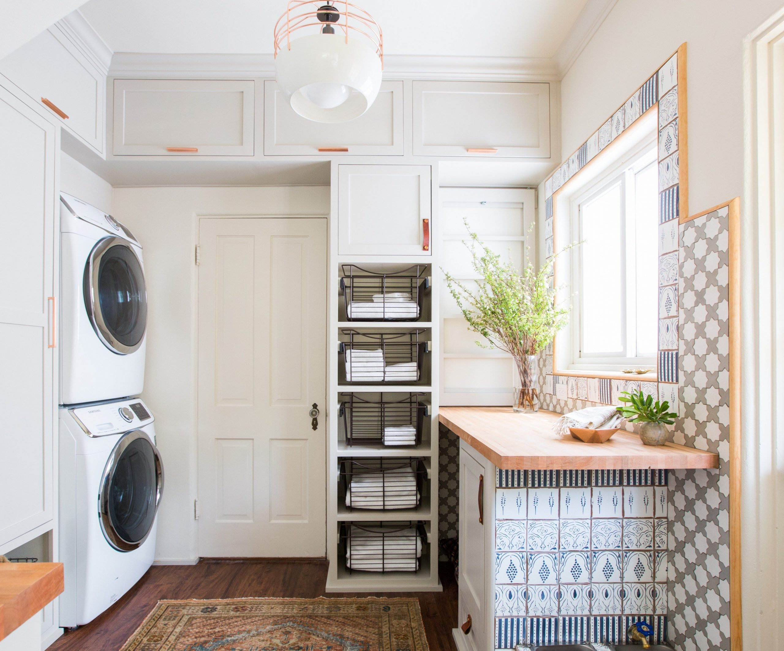 12 Best Laundry Rooms - Lovely & Functional Laundry Room Ideas - Laundry Room Office Ideas