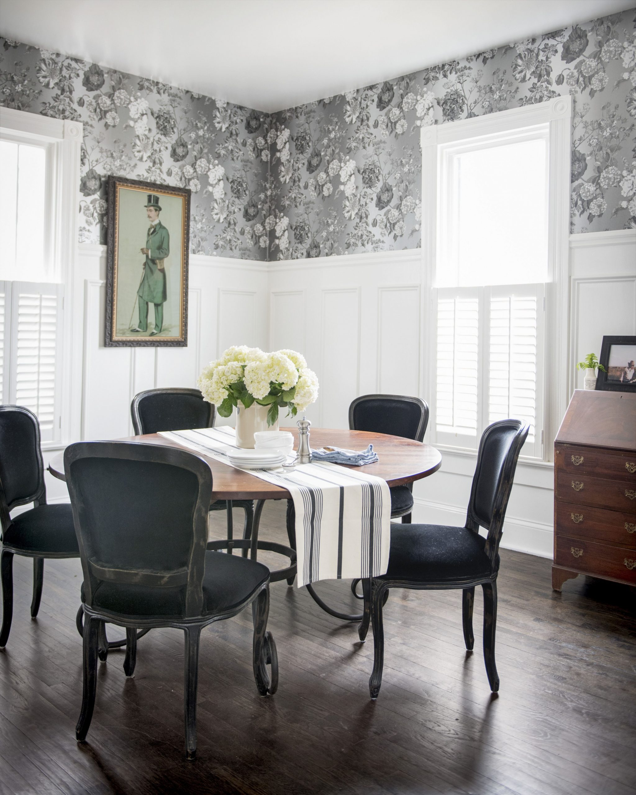 8 Best Dining Room Decorating Ideas - Pictures of Dining Room Decor - Dining Room Ideas Black And White