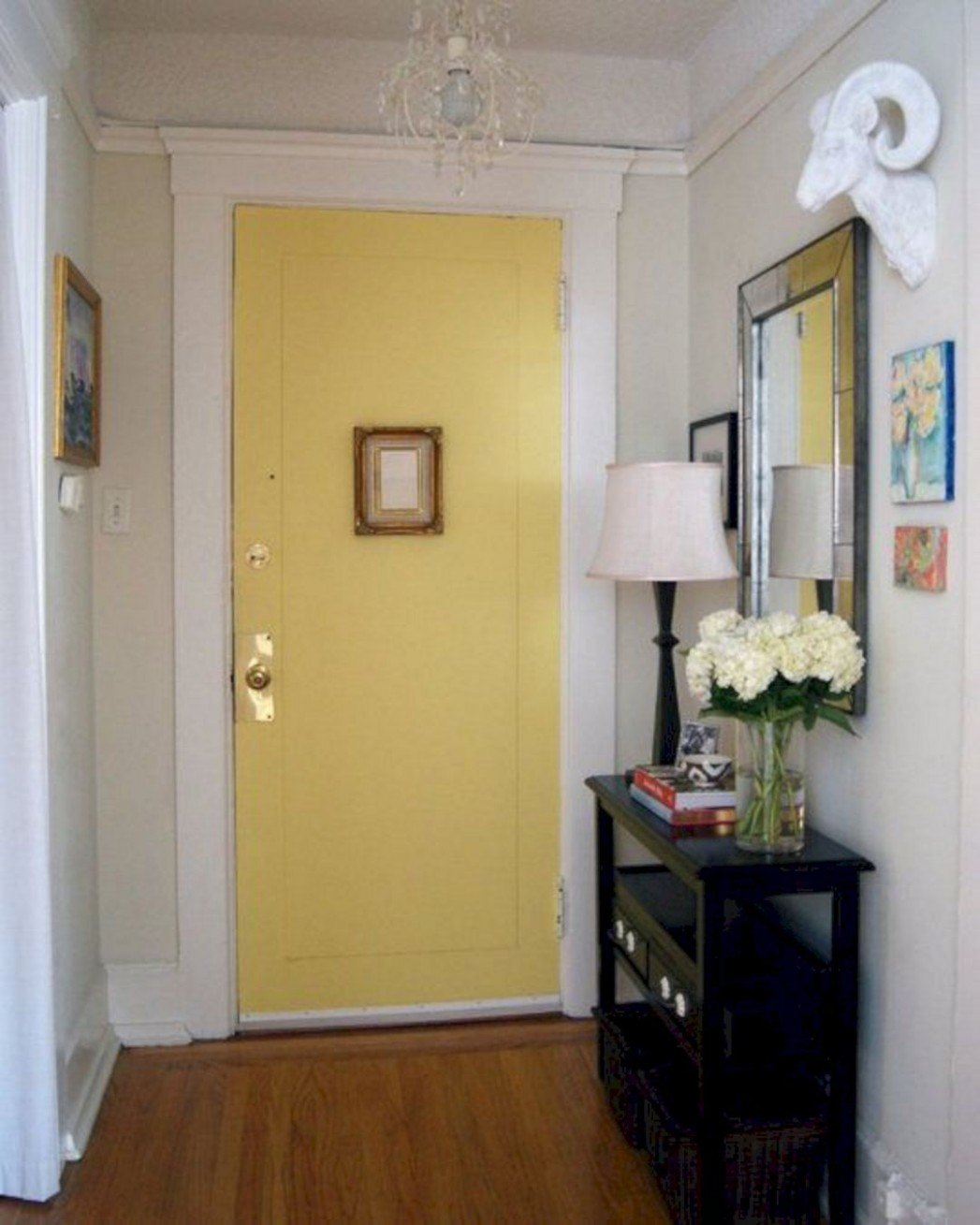 8 Best Small Apartment Entryway Decorating Ideas  Small  - Apartment Door Decor Ideas