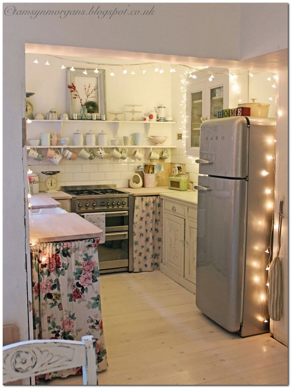 8+ Ideas to Decorate Small Apartment on a Budget - The Urban  - Small Apartment Kitchen Decor Ideas