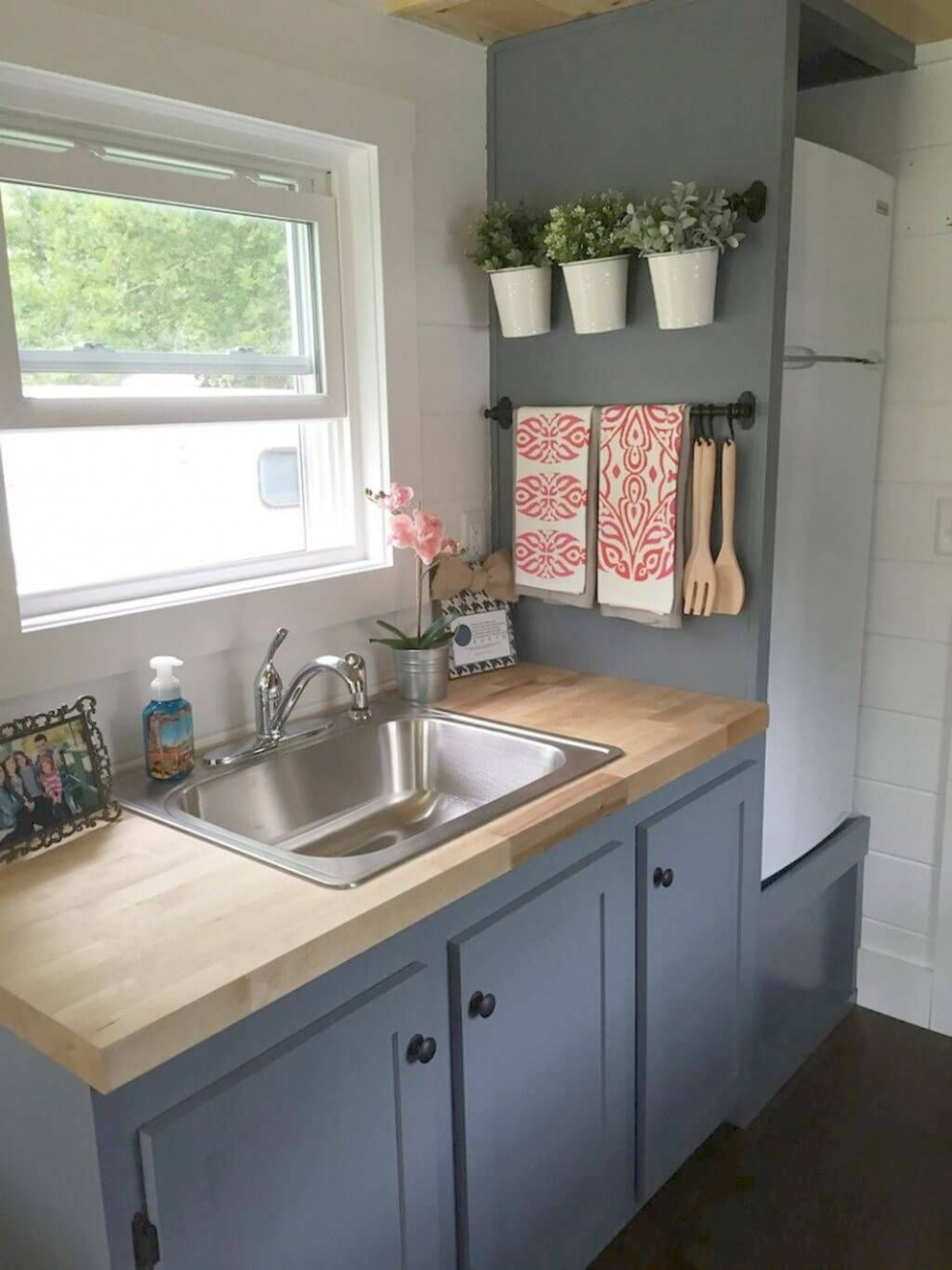 8 Nifty Small Kitchen Design and Decor Ideas to Transform Your  - Small Apartment Kitchen Decor Ideas