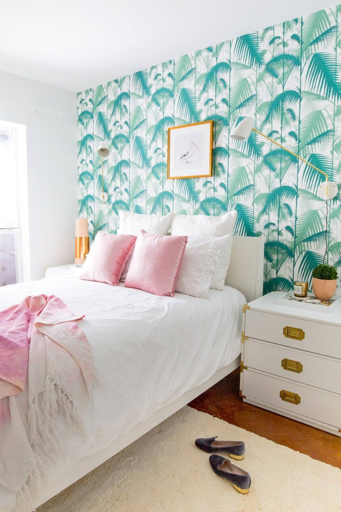 8 Tropical-Inspired Room Designs Perfect for the Ultimate Staycation - Bedroom Ideas Tropical