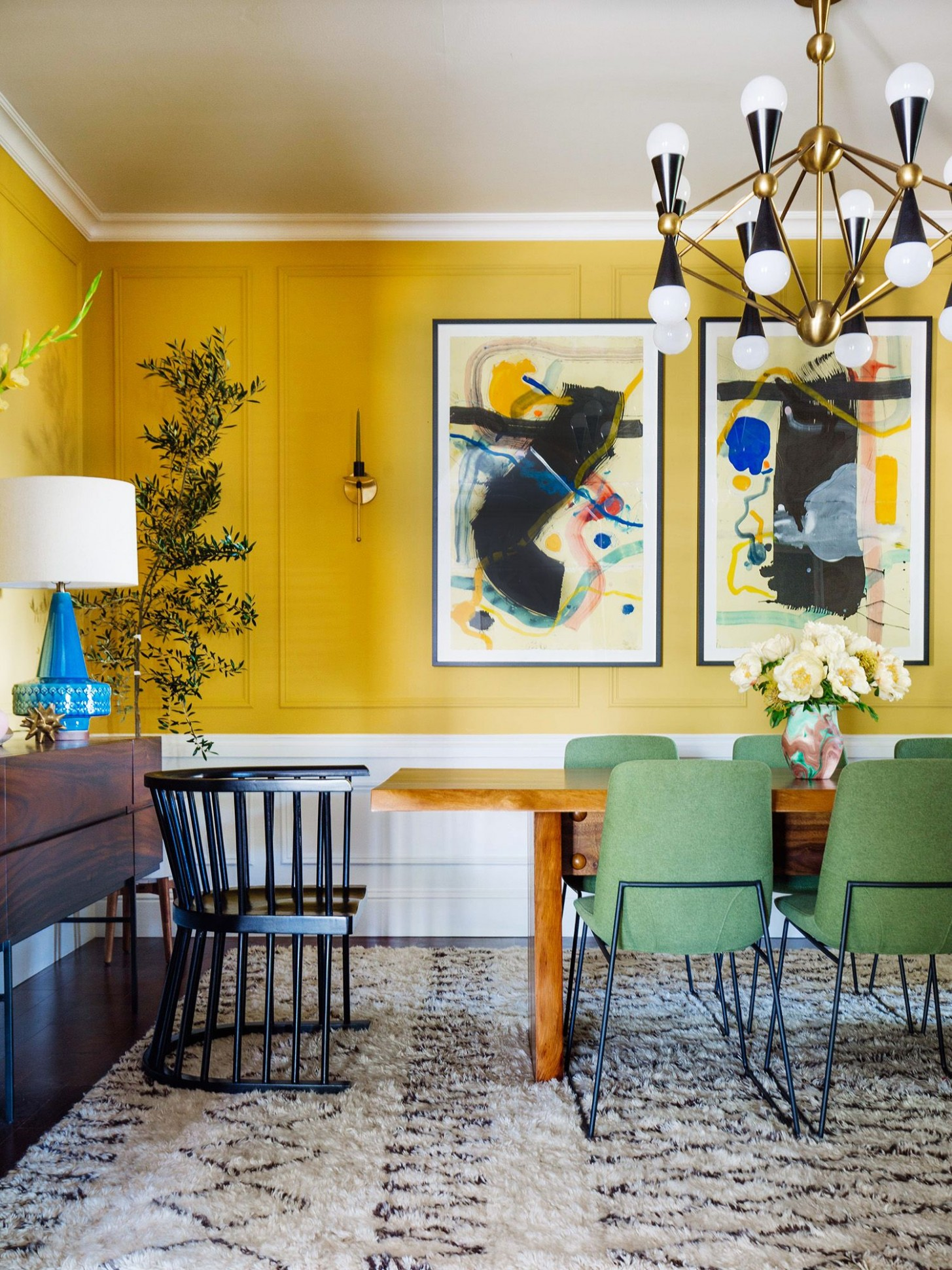 9 Best Dining Room Paint Colors - Modern Color Schemes for Dining  - Light Yellow Dining Room Ideas