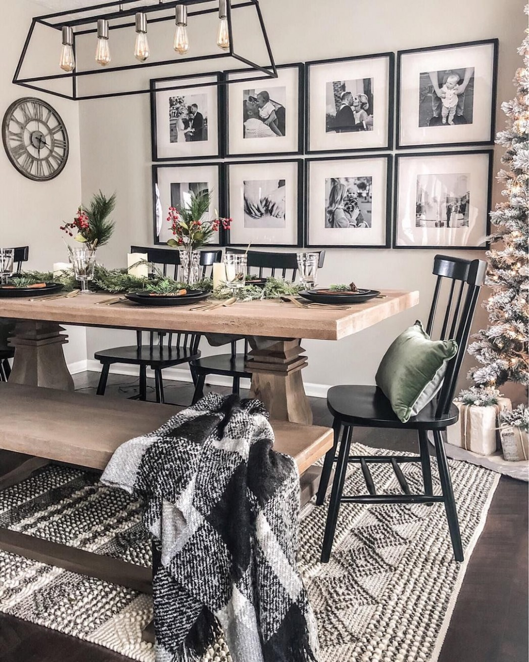 9+ Casual Dining Room Wall Decor Ideas with Art and Paint  - Wall Decor Ideas Dining Room