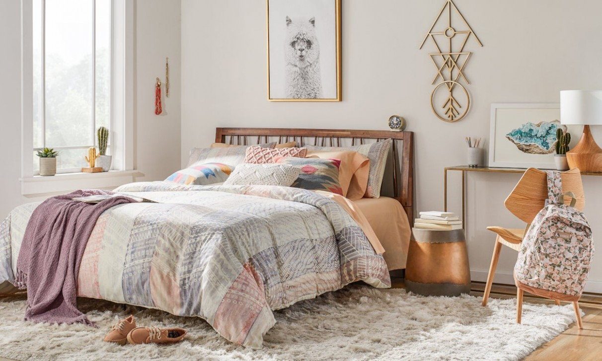 9 Cool Bedroom Ideas for Teenagers  Overstock