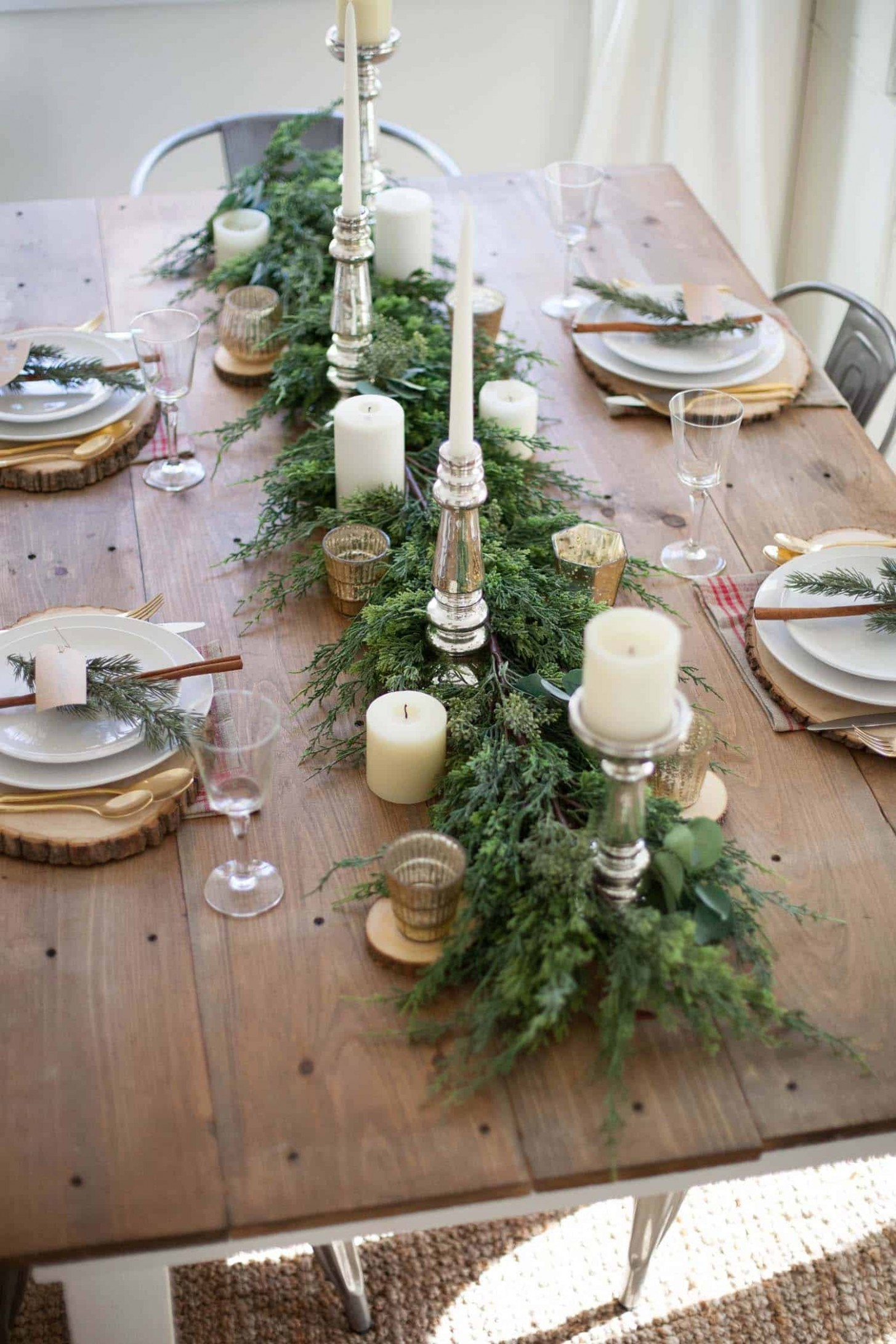 9 Inspiring Christmas decor ideas to elevate your dining table - Xmas Dining Room Ideas