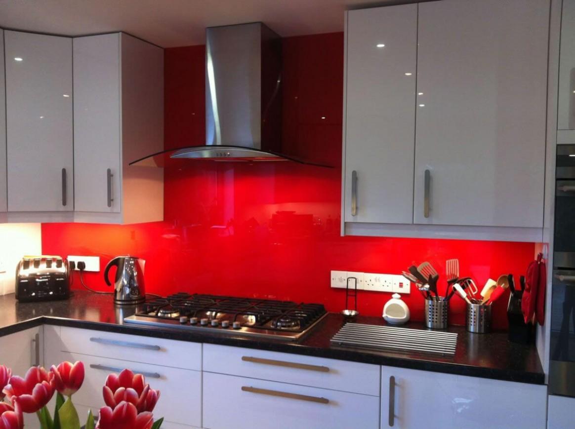 9 Red Kitchen Backsplash Ideas 9 (Bold and Merry) - Backsplash For Red Kitchen Cabinets