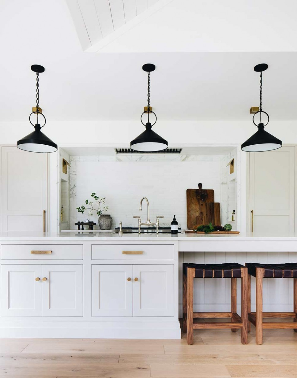 Choosing the Perfect Kitchen Cabinet Color to Match Your Walls  - Choosing Kitchen Cabinet Color