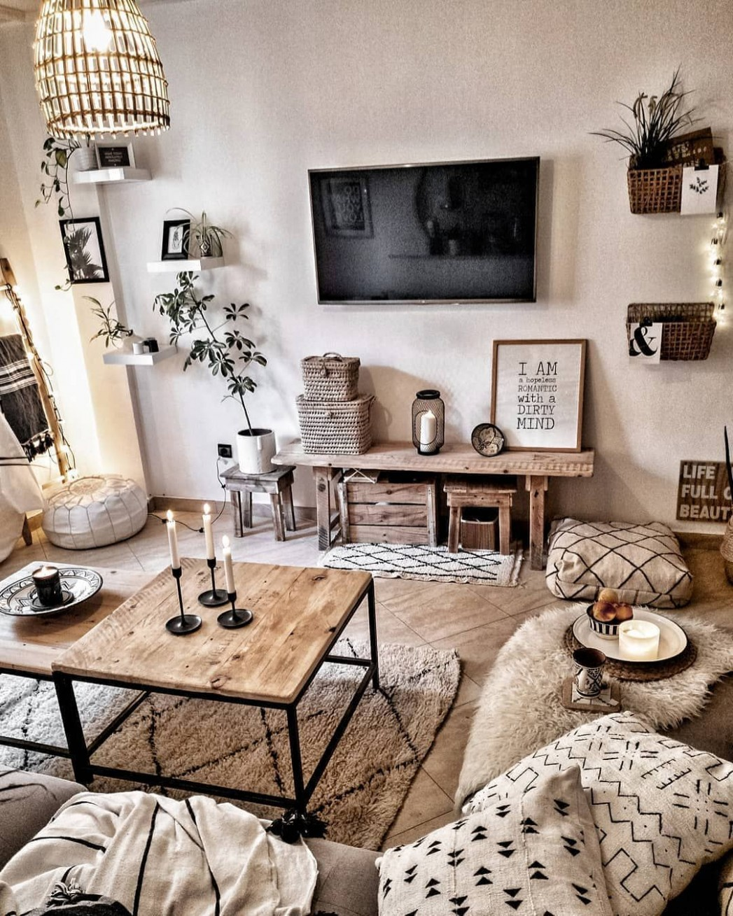 """cozi homes on Instagram: """"We LOVE this boho feel ❤ What do you  - Rustic Apartment Decor Ideas"""