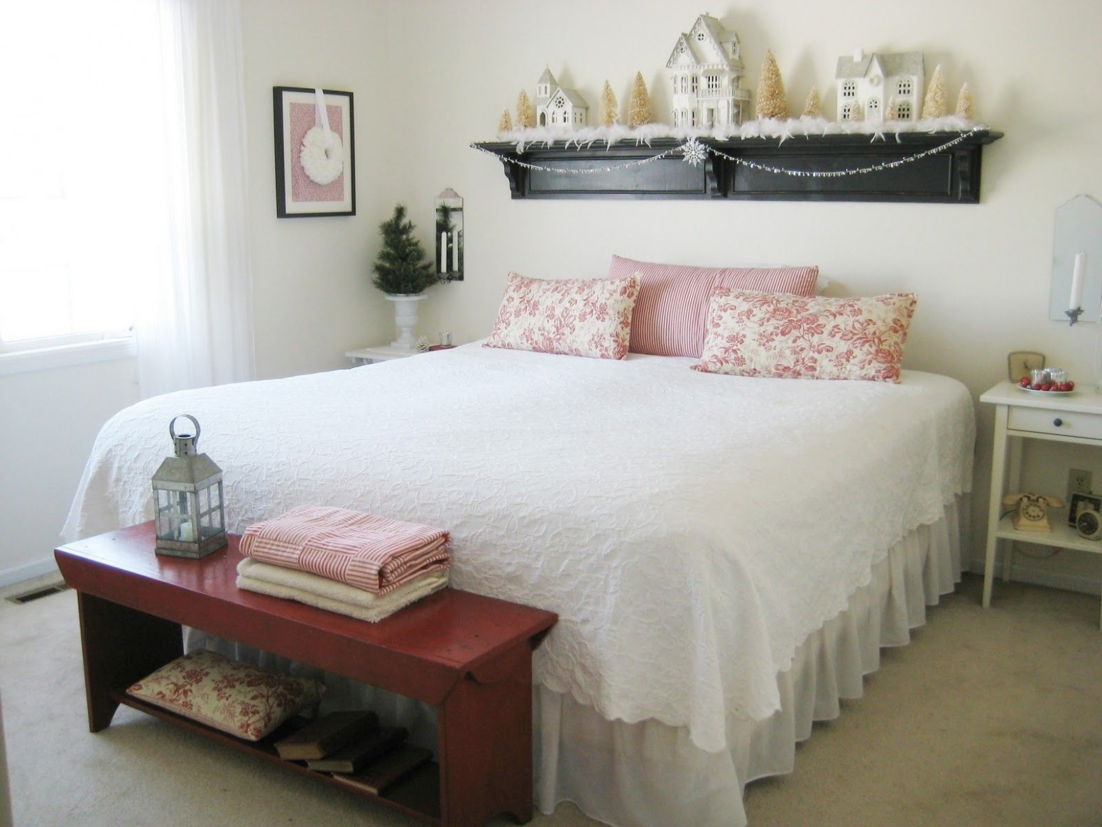 Cute how to decorate small room with queen bed And also  - Small Bedroom Ideas Queen Bed