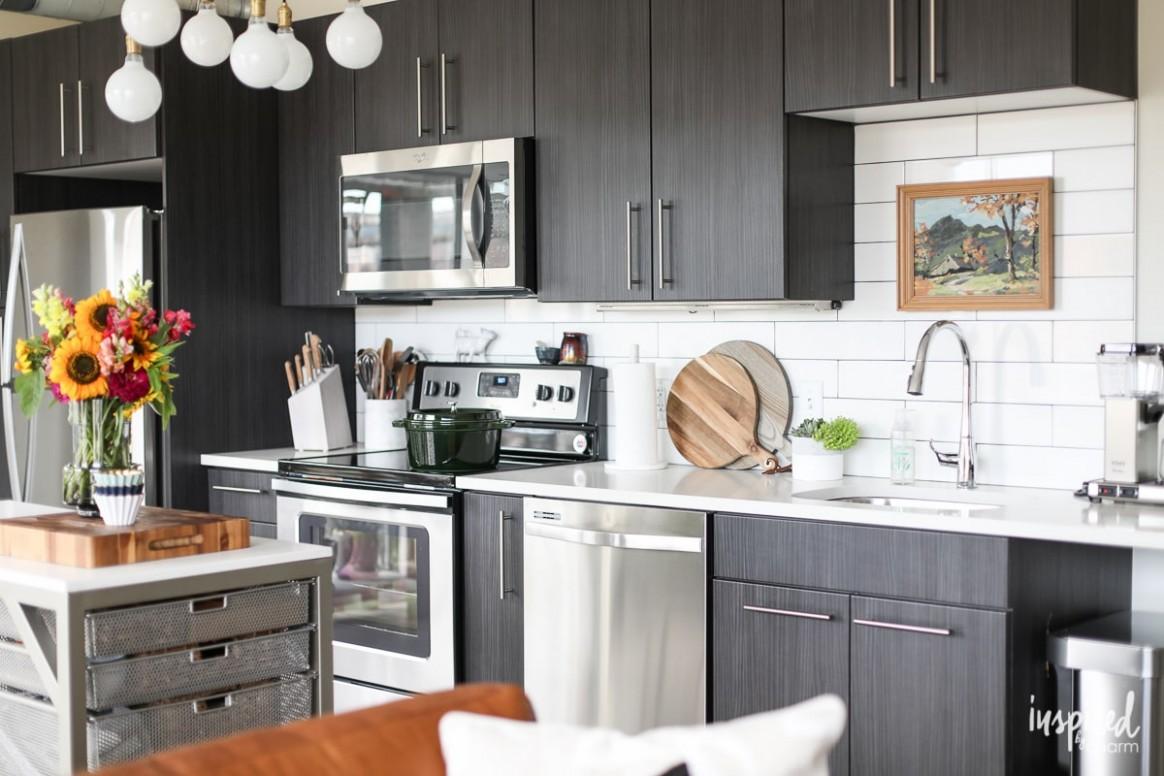 Drab to Fab: Apartment Kitchen Decor - Small Apartment Kitchen Decor Ideas