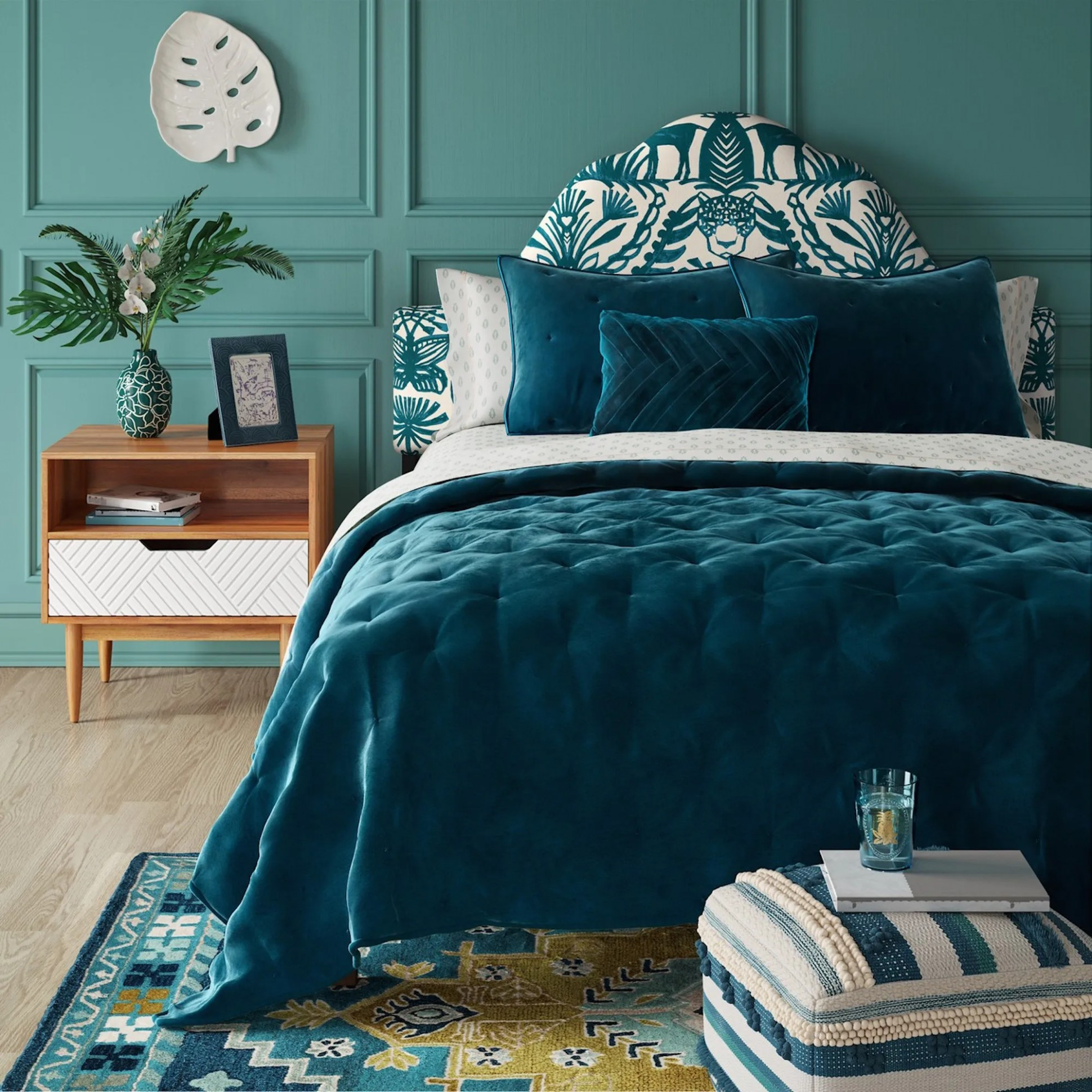 Emerald Green Home Decor & Furniture For Every Room - Bedroom Ideas Emerald Green