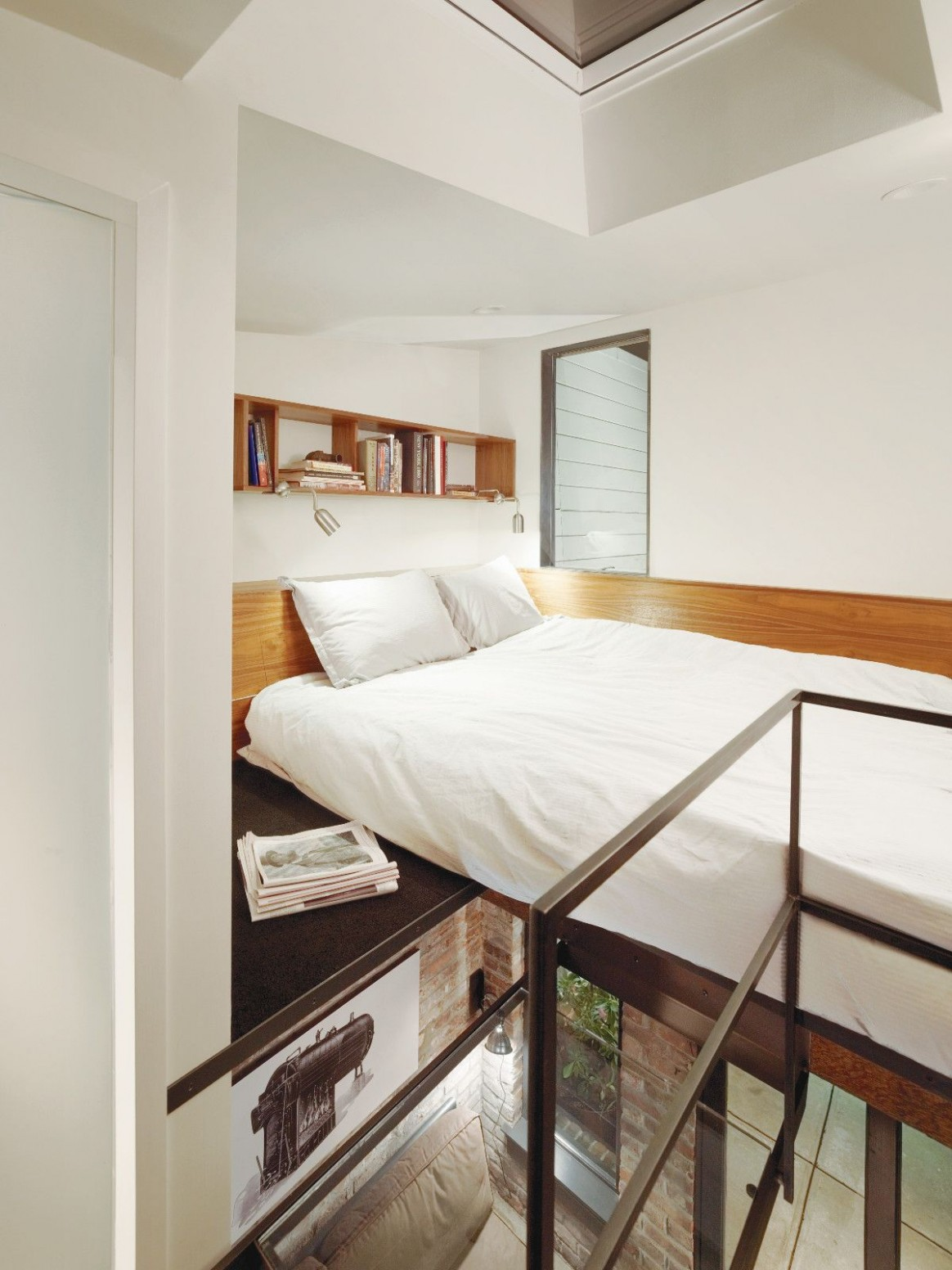 Gallery: The Brick House guest suite  Azevedo Design  Small  - Laundry Room Guest Bedroom