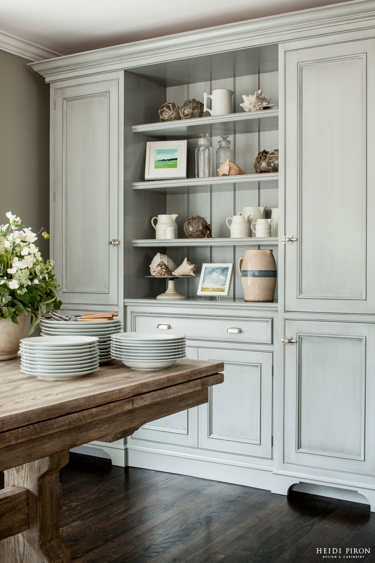 Heidi Piron Design and Cabinetry - gorgeous built-in kitchen  - Dining Room Ideas Storage