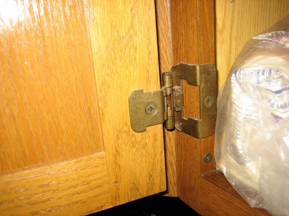 How to Replace Cabinet Hinges  Kitchen cabinets hinges, Diy  - Kitchen Cabinet Door Hinge Replacement
