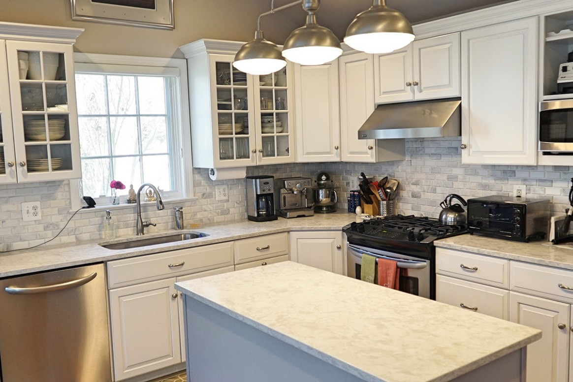 Kitchen Remodeling: How Much Does it Cost in 10? [10 Tips to Save] - Kitchen Cabinet Replacement Average Cost