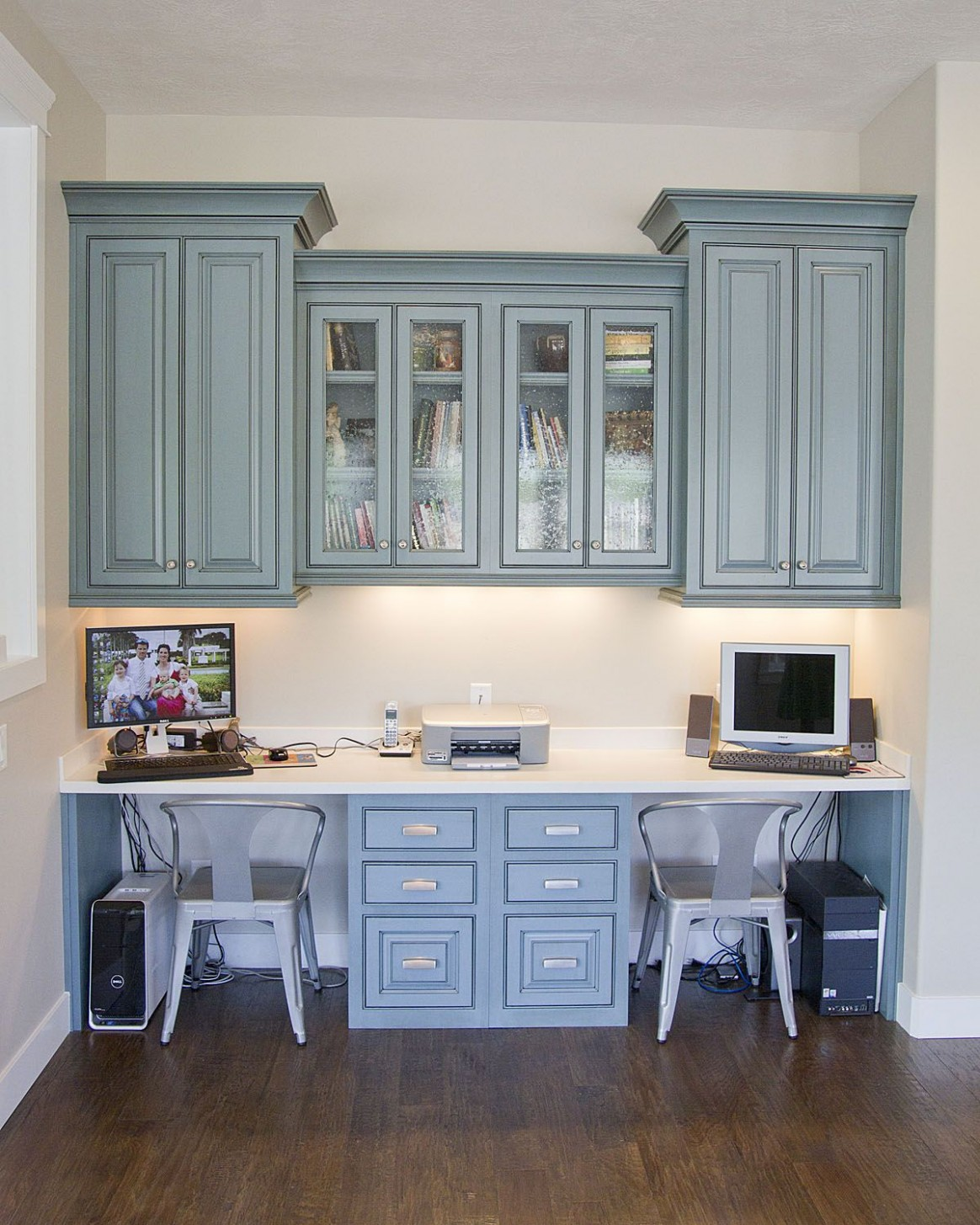 Love there are two spots and plenty of cabinet space to keep the  - Home Office Ideas With Kitchen Cabinets