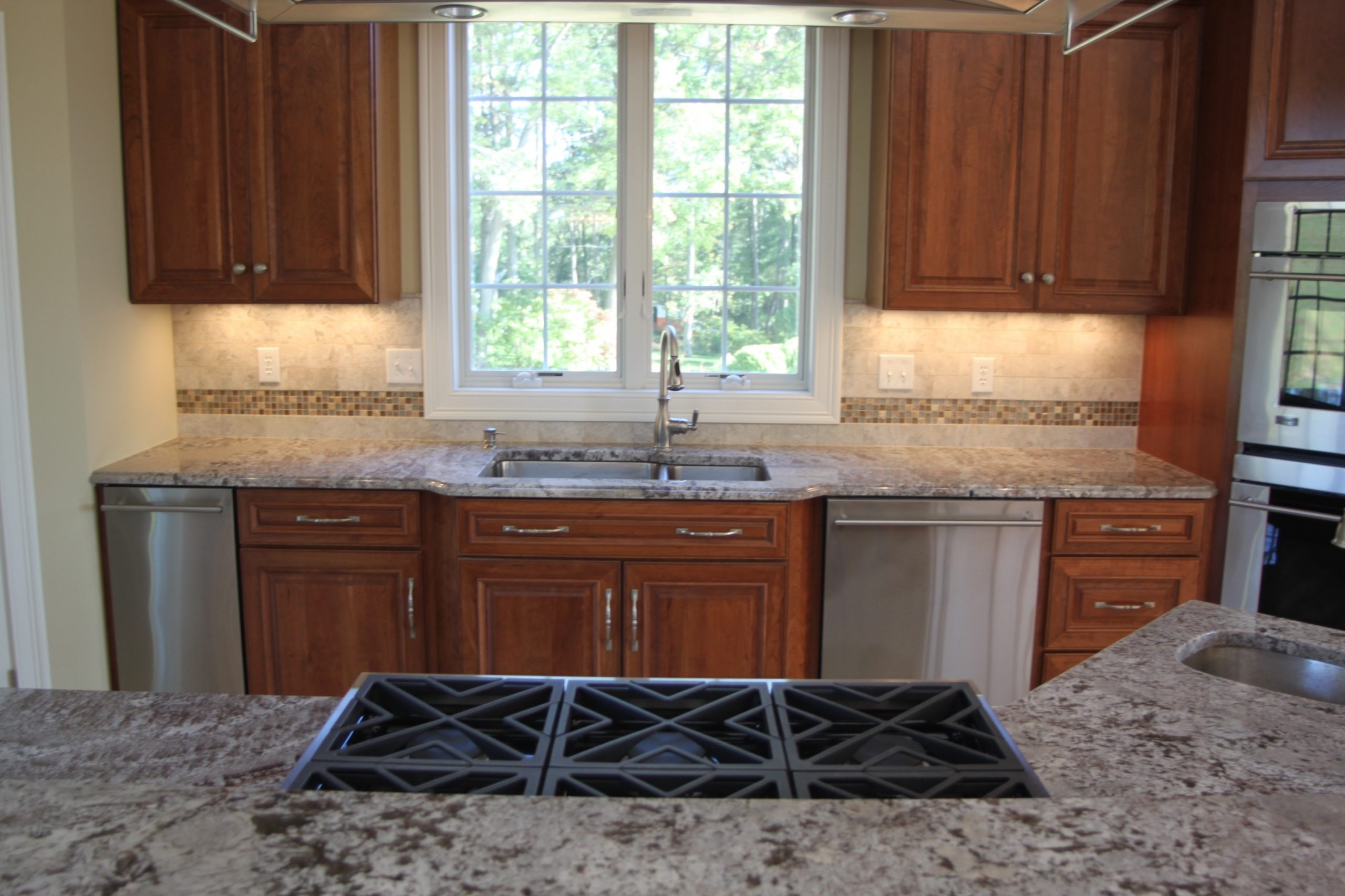 Matching Countertops to Cabinets  Dalene Flooring - Matching Kitchen Cabinets And Flooring