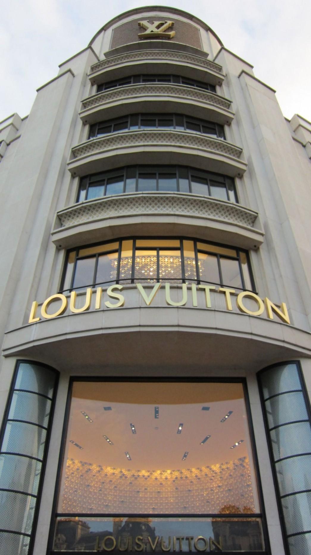 Pin by Gaby Sanchez on places to shop  Louis vuitton store  - Design Apartment Next To Louis Vuitton Building