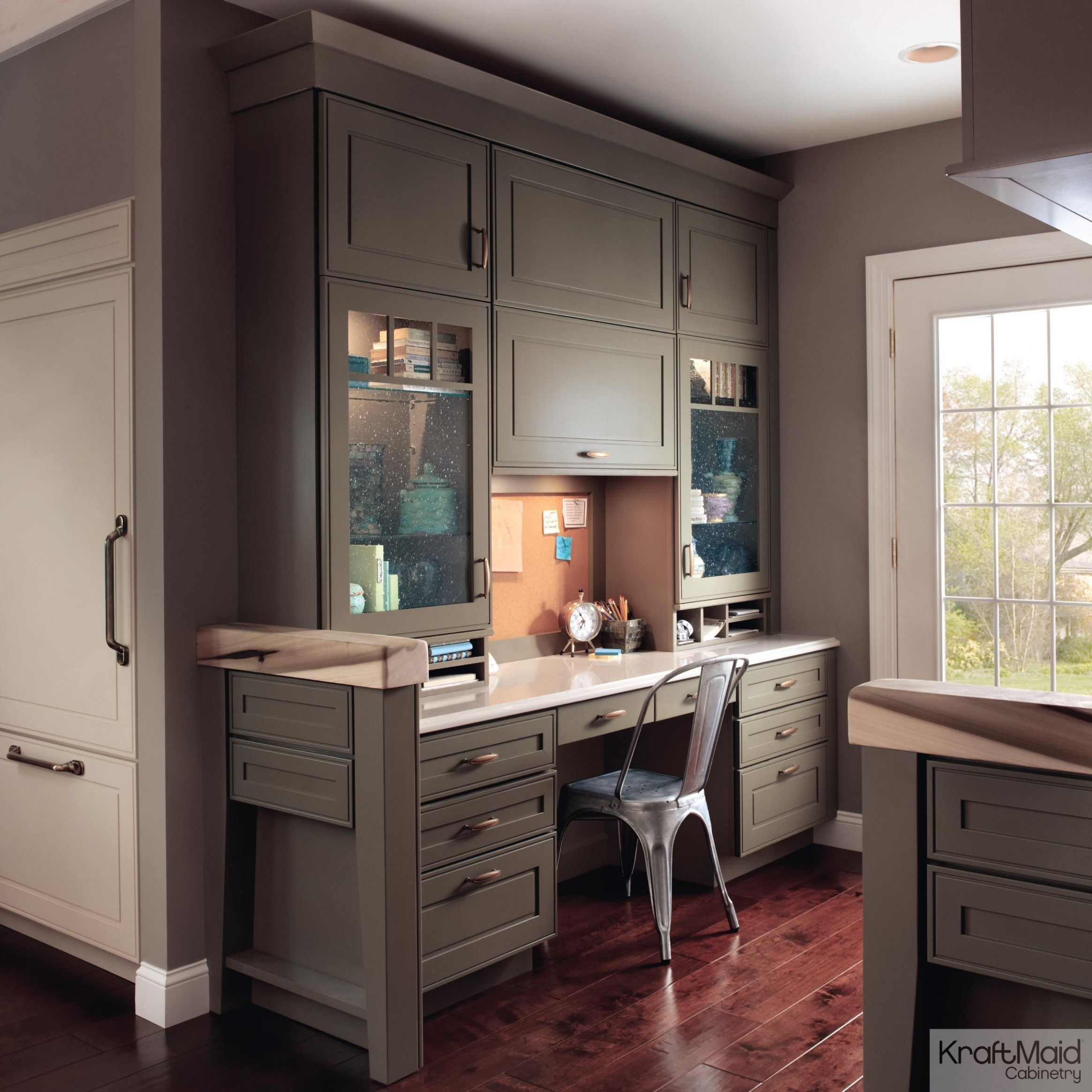 Sage and Mushroom finishes star in this timeless home office