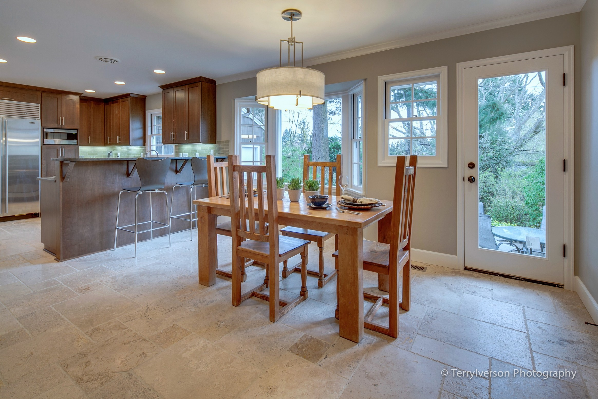 Tile in dining room - large and beautiful photos
