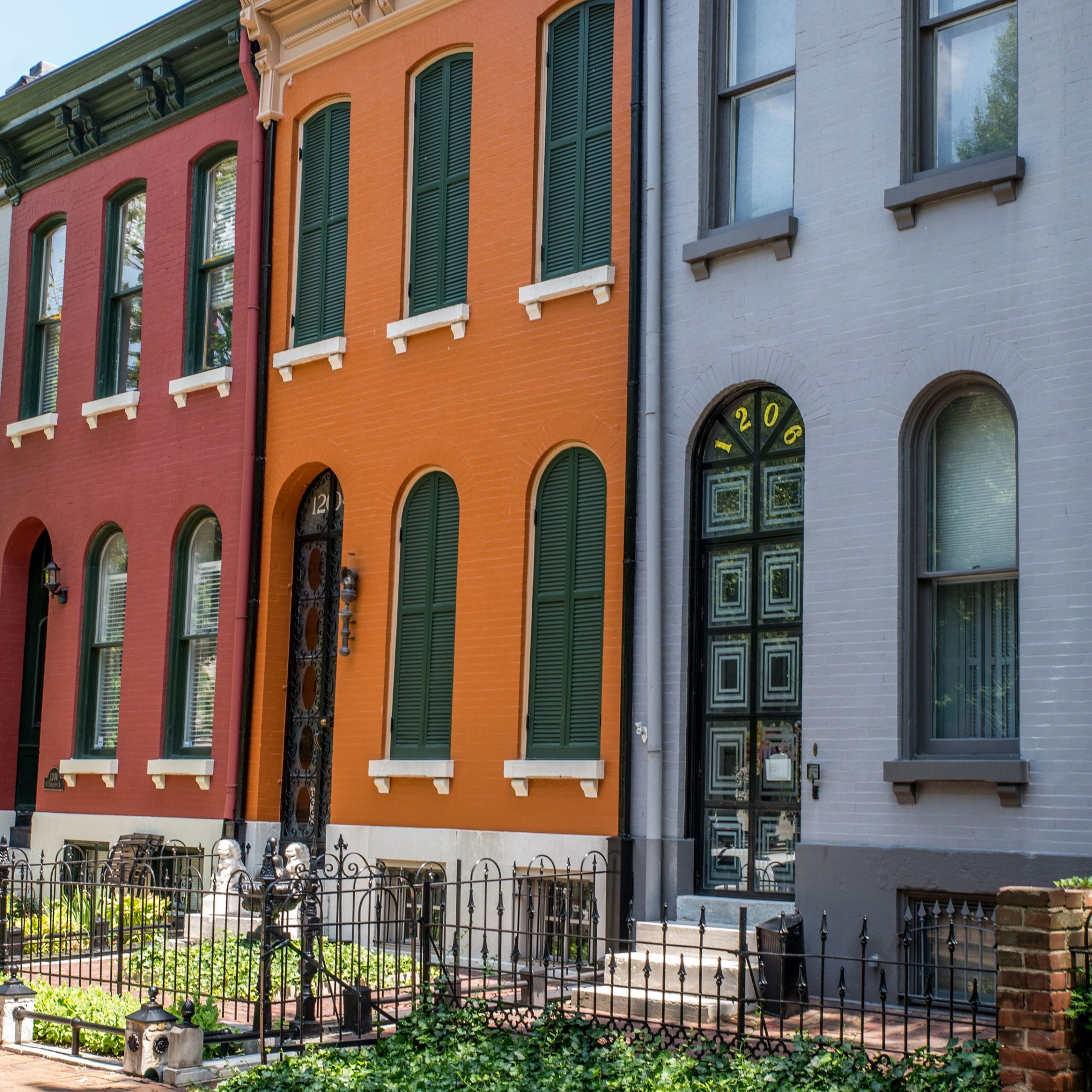 Tips for Choosing Exterior Paint Colors for Your House - Apartment Outer Design