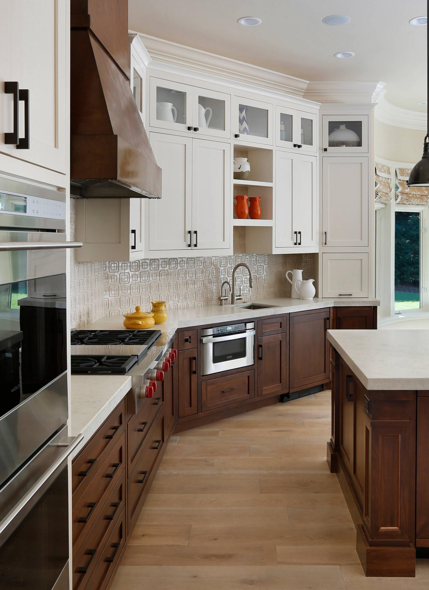 White Upper Cabinets  Houzz - Kitchen Designs With White Upper Cabinets And Dark Lower Cabinets