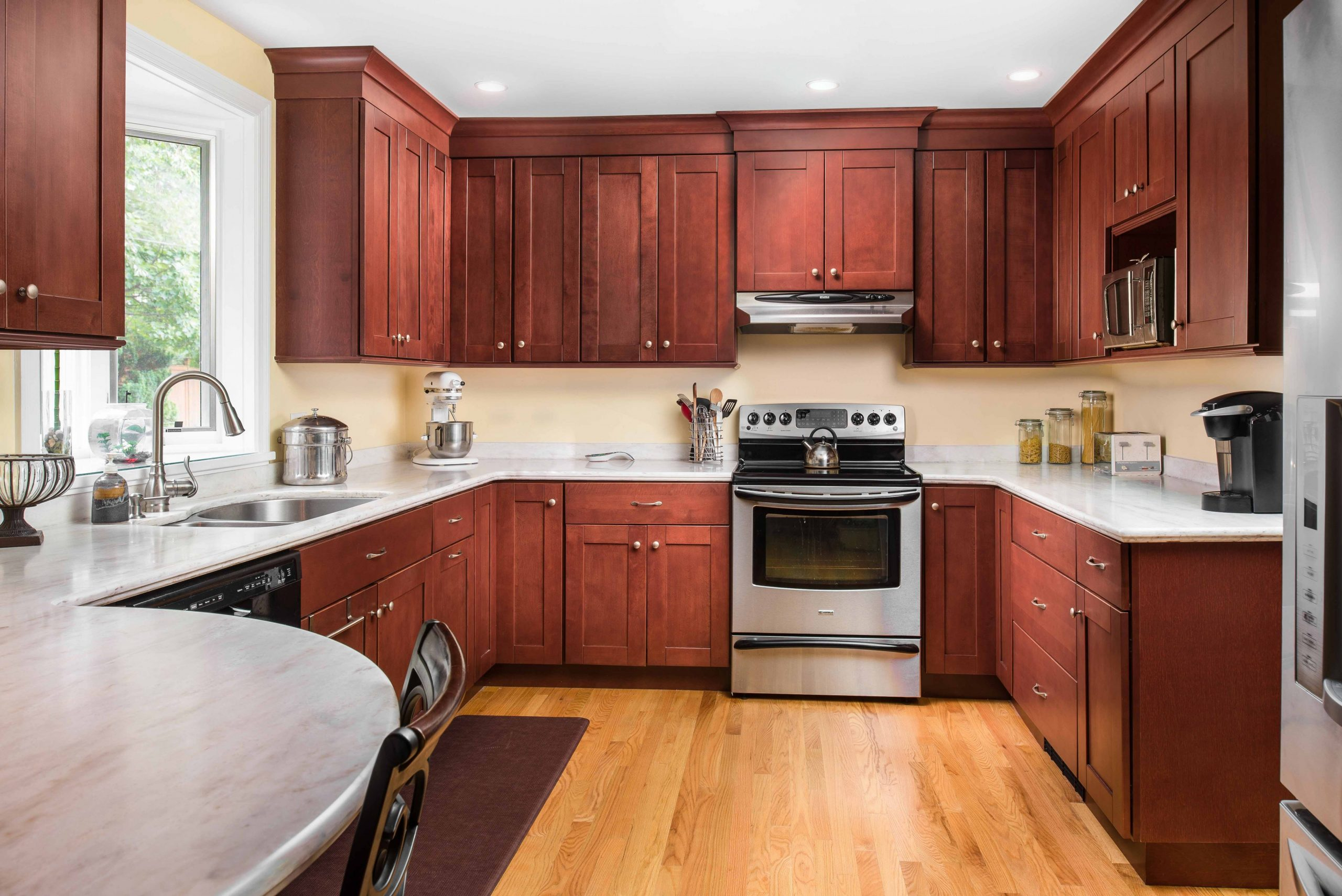 Why shaker style kitchen cabinets never go out of style - Red Shaker Kitchen Cabinets