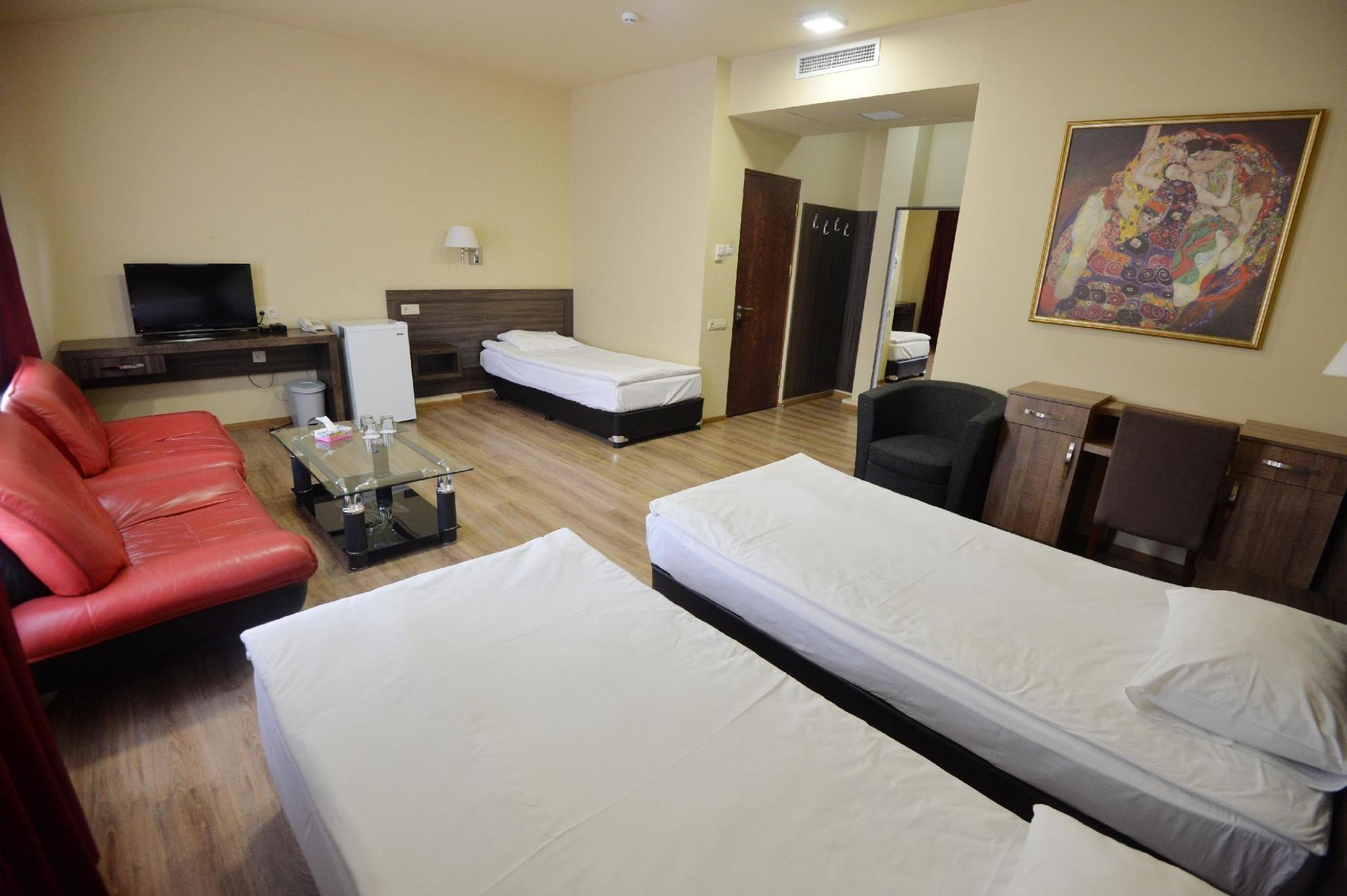 Yerevan Deluxe Hotel in Armenia - Room Deals, Photos & Reviews - Baby Room Yerevan