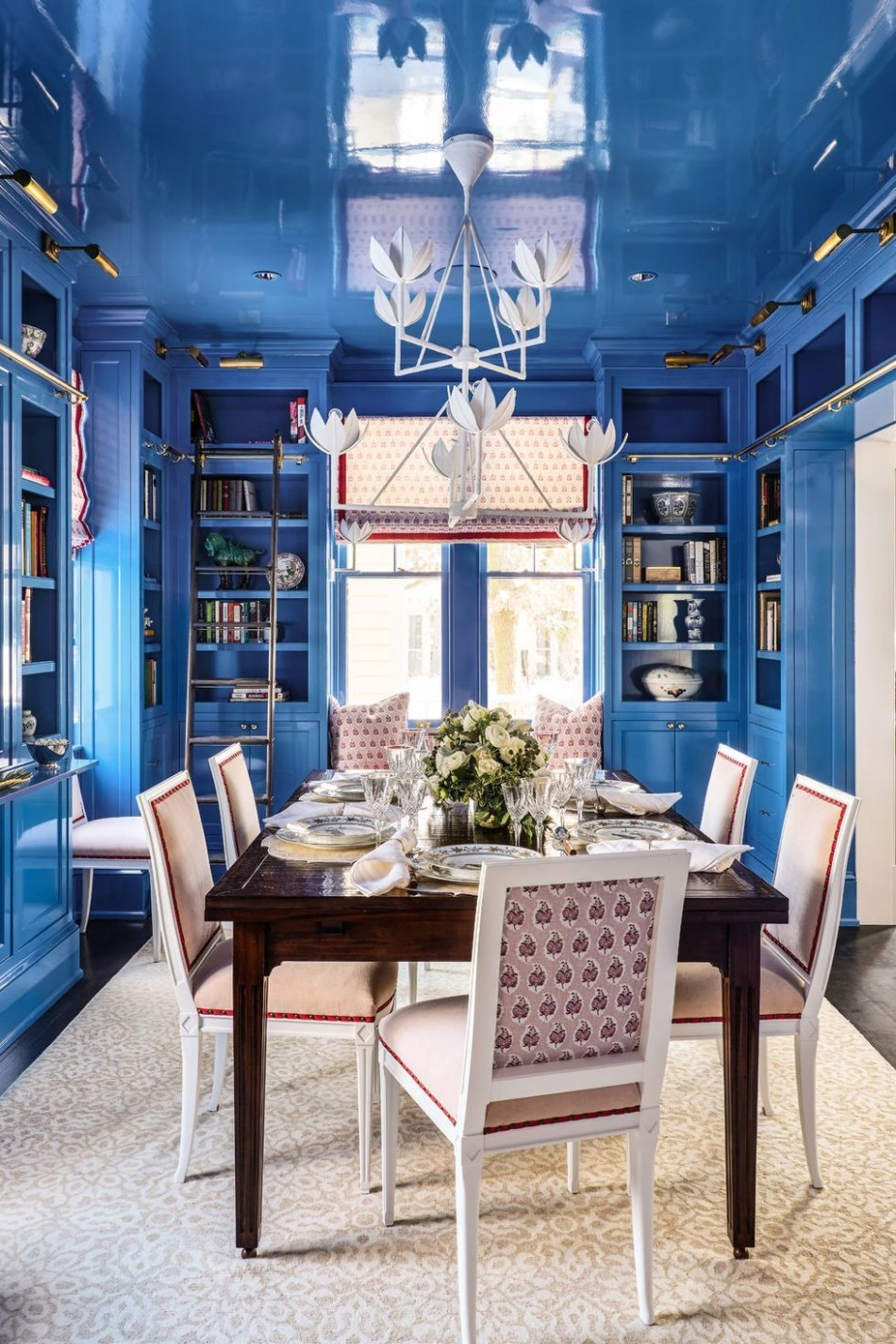 10 Best Blue Rooms - Decor Ideas for Light and Dark Blue Rooms - Dining Room Ideas Blue Walls