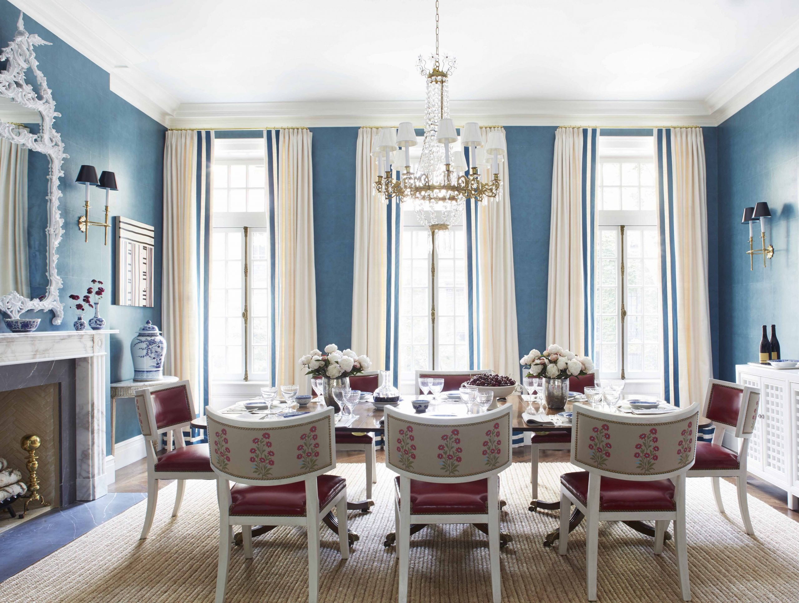 10 Best Dining Room Paint Colors - Color Schemes for Dining Rooms - Dining Room Ideas Blue Walls