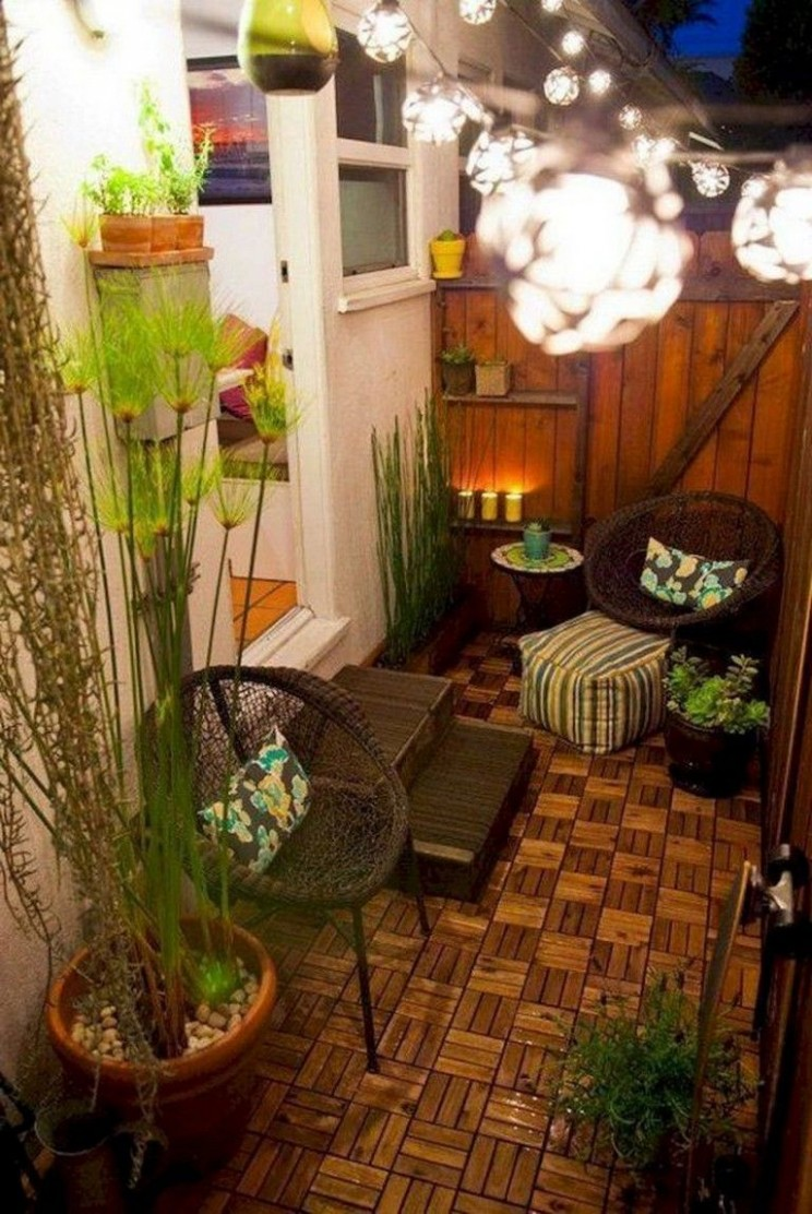 10+ Best Small Apartment Balcony Decorating Ideas  Apartment  - Apartment Yard Design