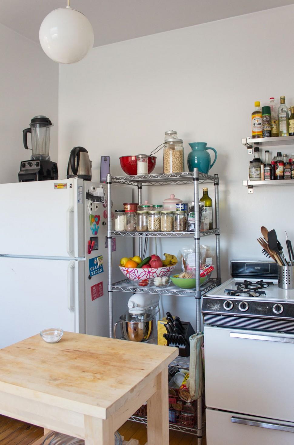 10+ Best Small Kitchen Design Ideas - Decorating Tiny Apartment  - Apartment Kitchen Design