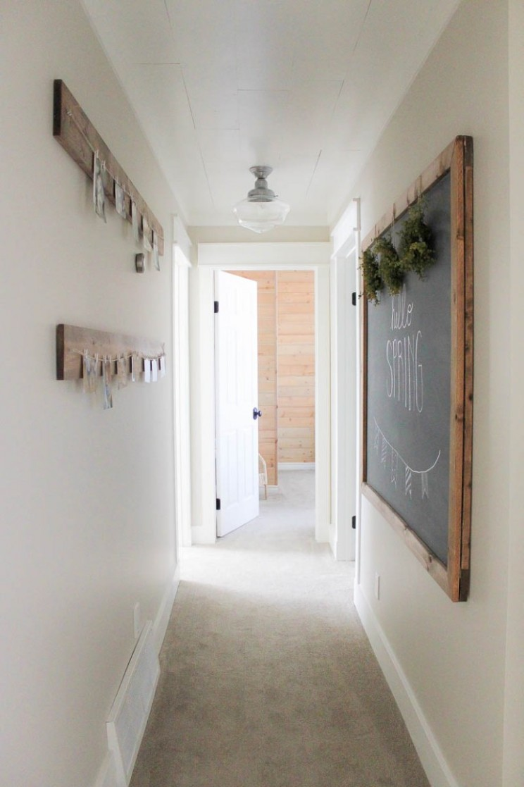 10 Narrow Hallway Design Ideas for your Small Apartment - DipFeed - Apartment Hallway Design