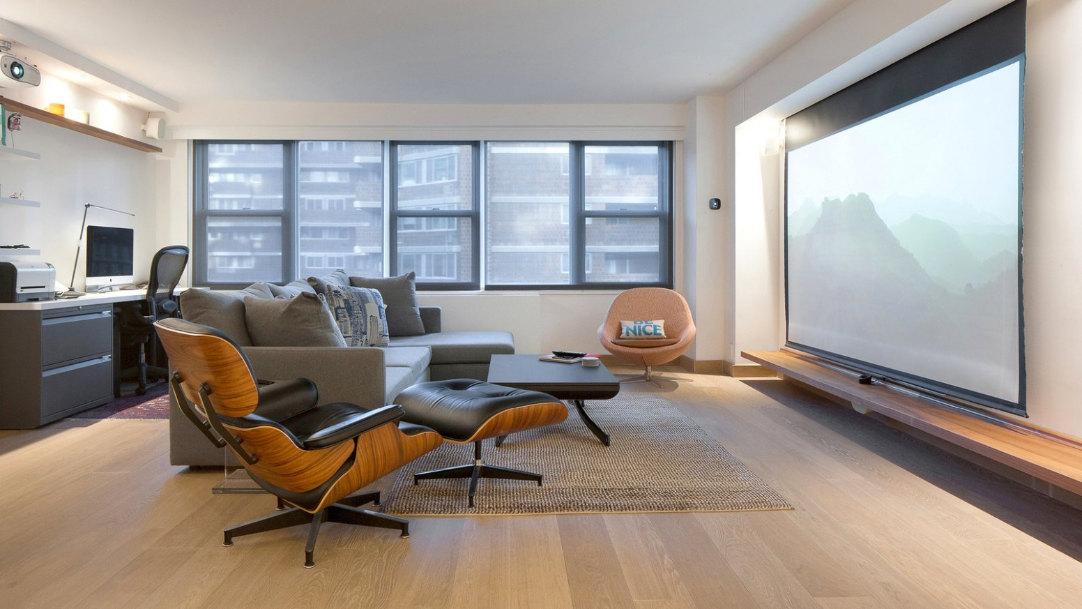 10 Square Feet, and Not an Inch Wasted - The New York Times - Apartment Design For 800 Sq Ft