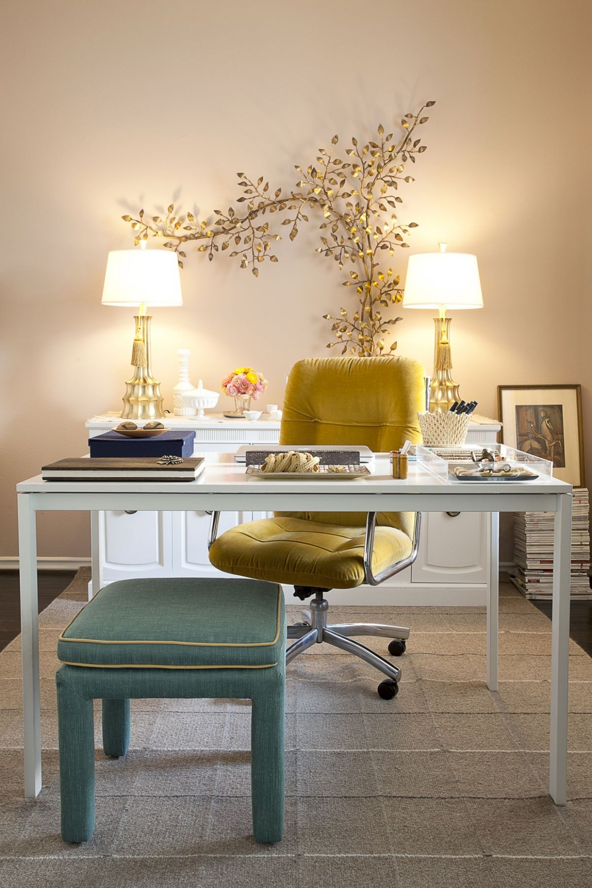 10 Wall Decor Ideas to Take to The Office - Wall Decor Ideas Office
