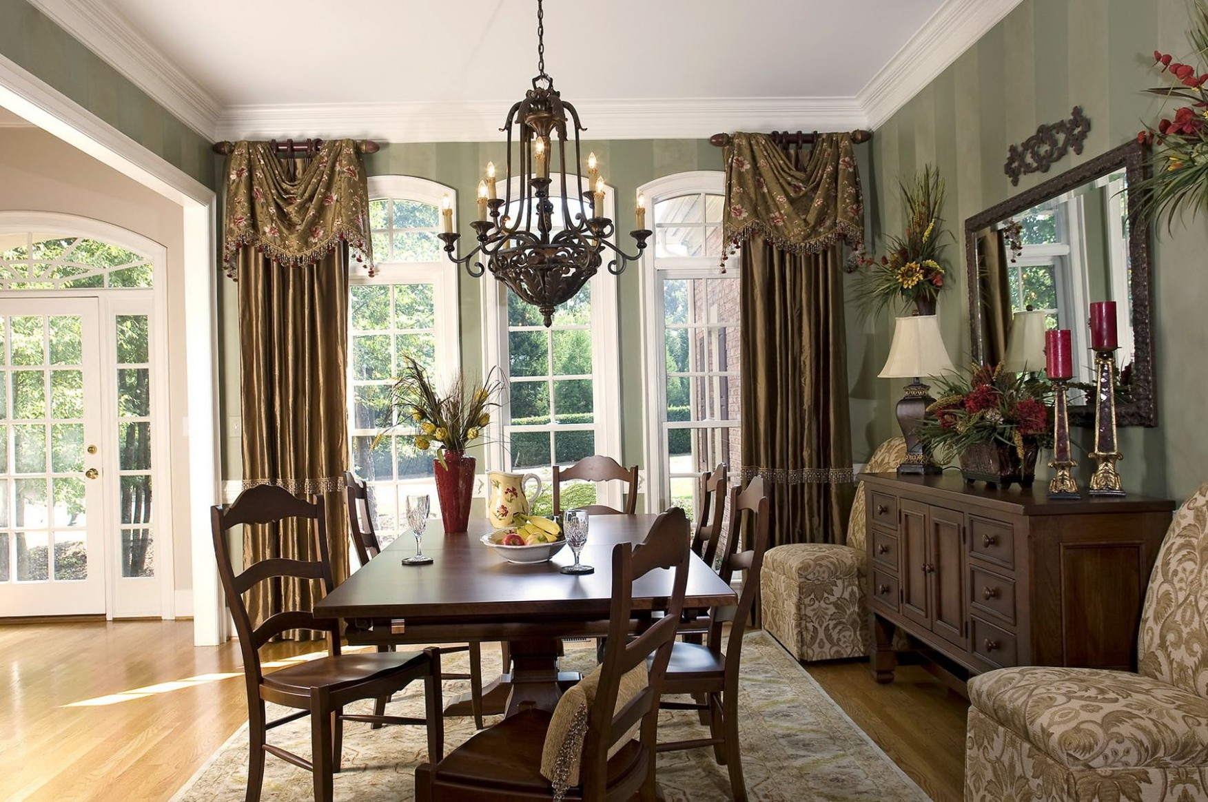 11+ Bay Window Ideas Blending Functionality With Modern Interior  - Dining Room Drapes Ideas