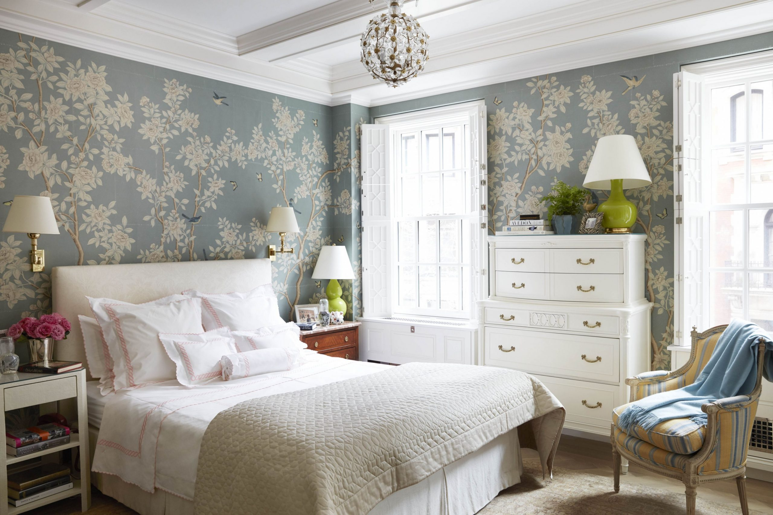 11 Beautiful Bedroom Wallpaper Ideas To Envelop Yourself With  - Bedroom Ideas Wallpaper